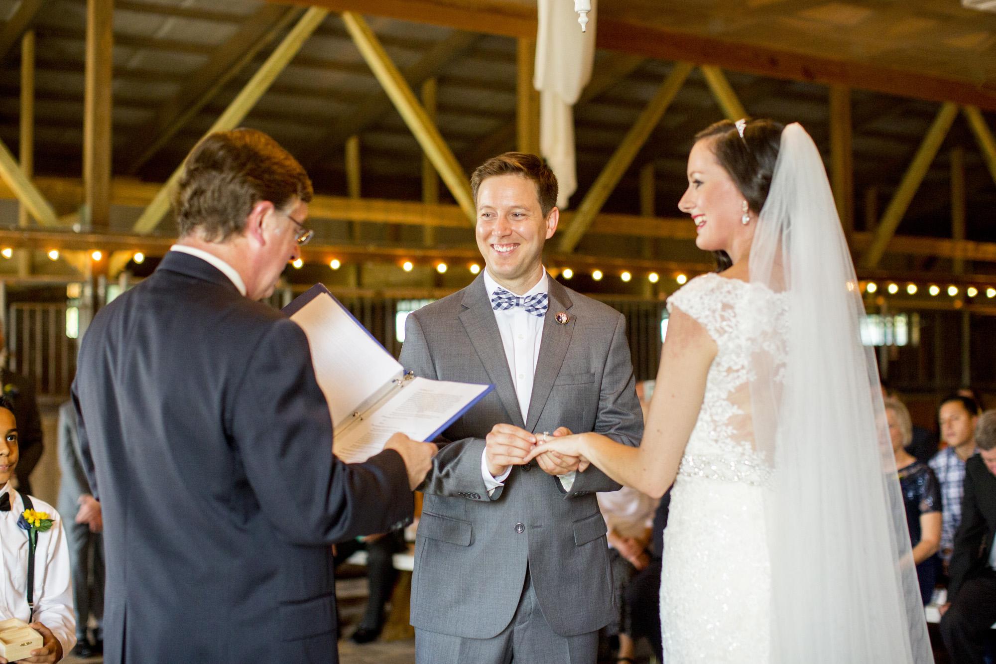 Seriously_Sabrina_Photography_Bowling_Green_Kentucky_Highland_Stables_Wedding_Wolff105.jpg