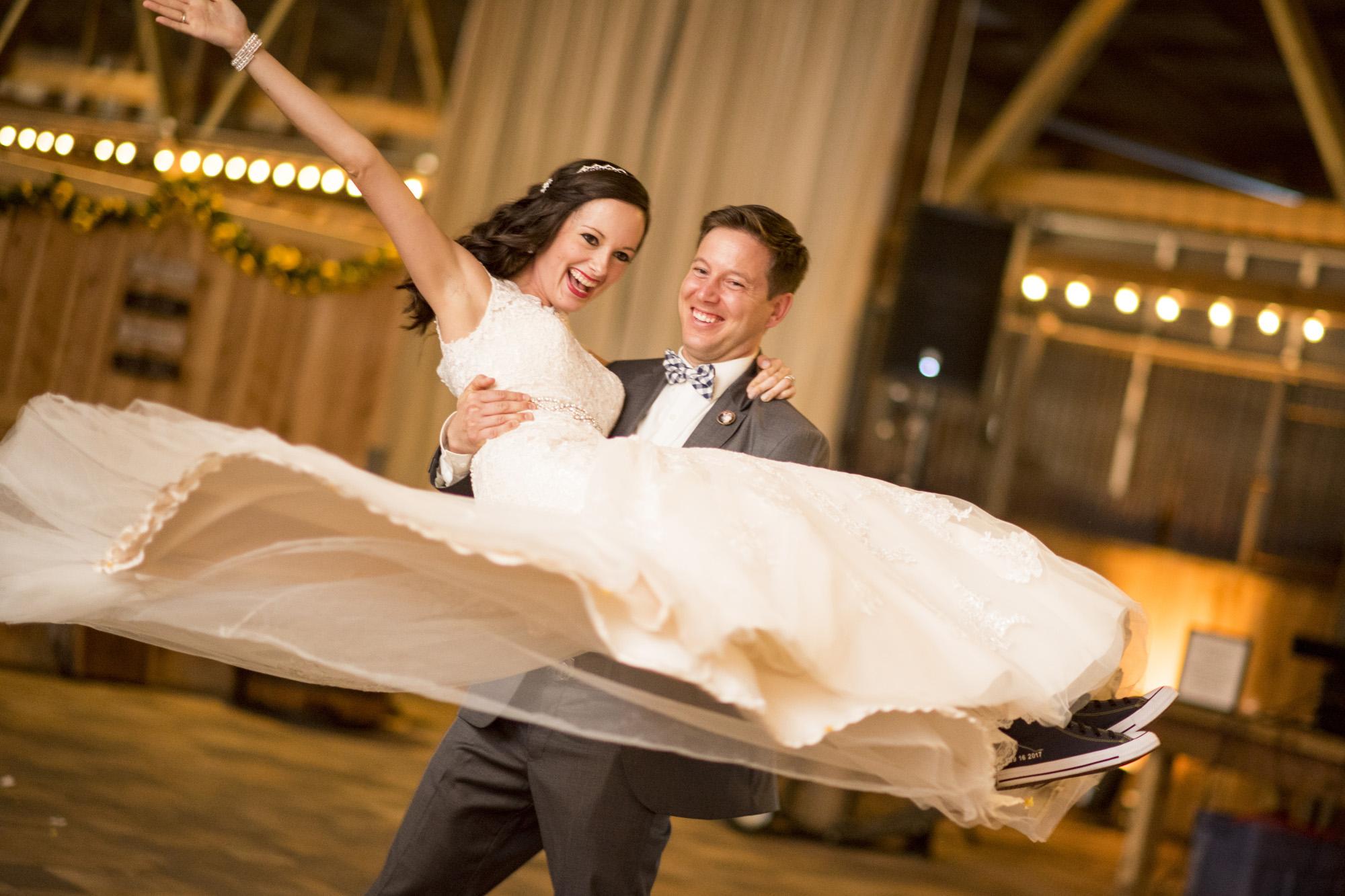 Seriously_Sabrina_Photography_Bowling_Green_Kentucky_Highland_Stables_Wedding_Wolff129.jpg