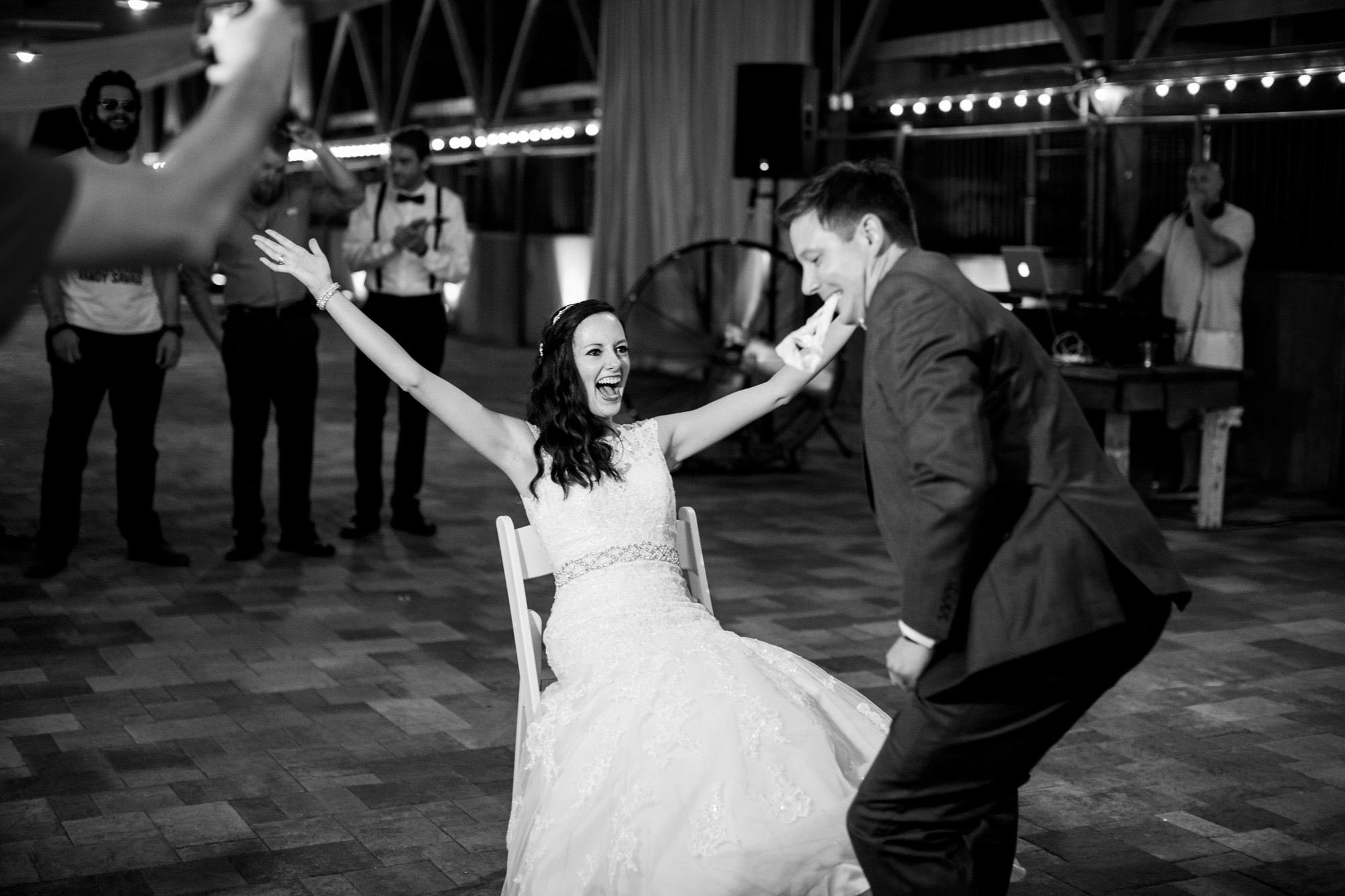 Seriously_Sabrina_Photography_Bowling_Green_Kentucky_Highland_Stables_Wedding_Wolff183.jpg