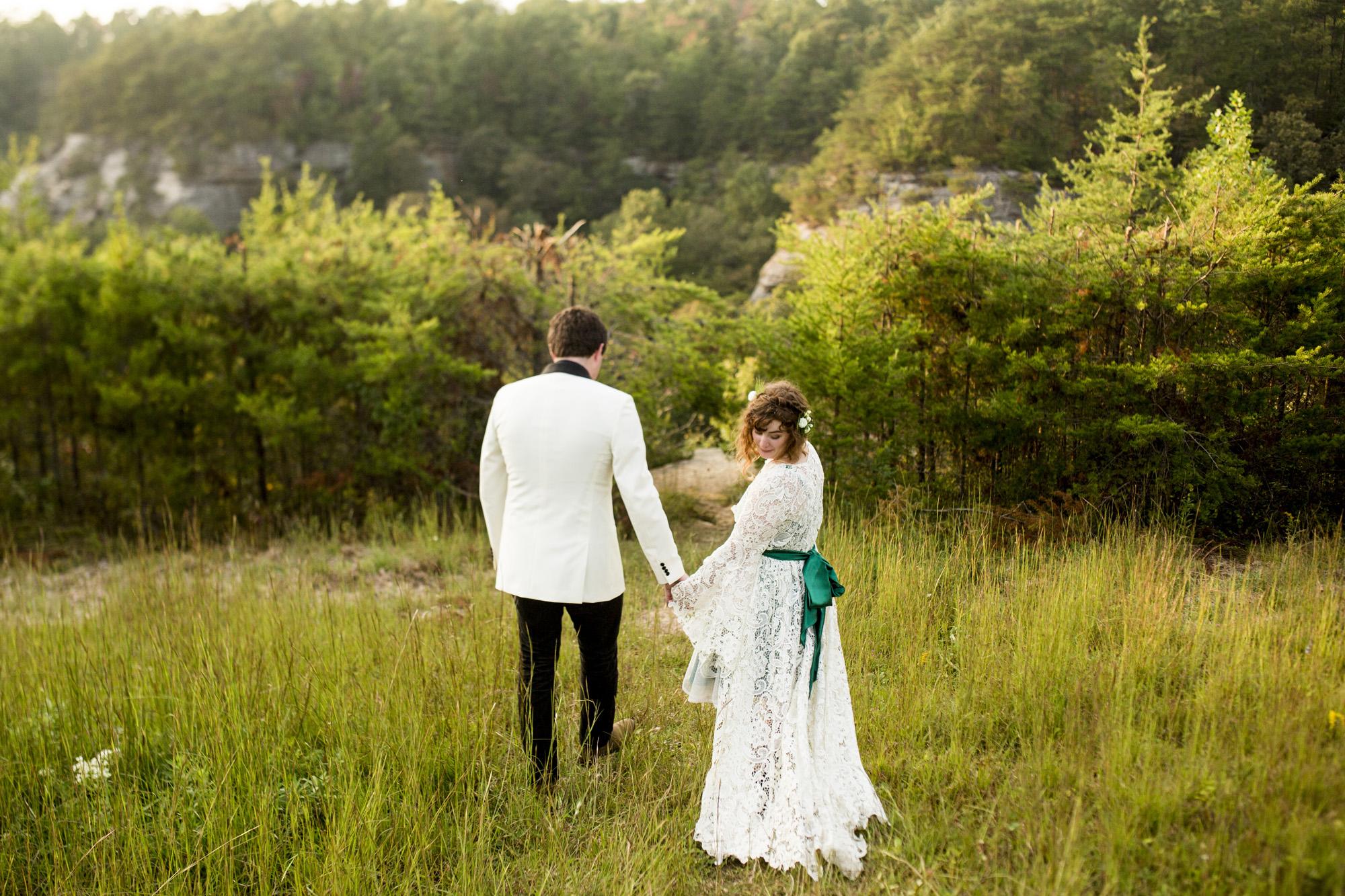 Seriously_Sabrina_Photography_Red_River_Gorge_Kentucky_Wedding_ShawnDana158.jpg