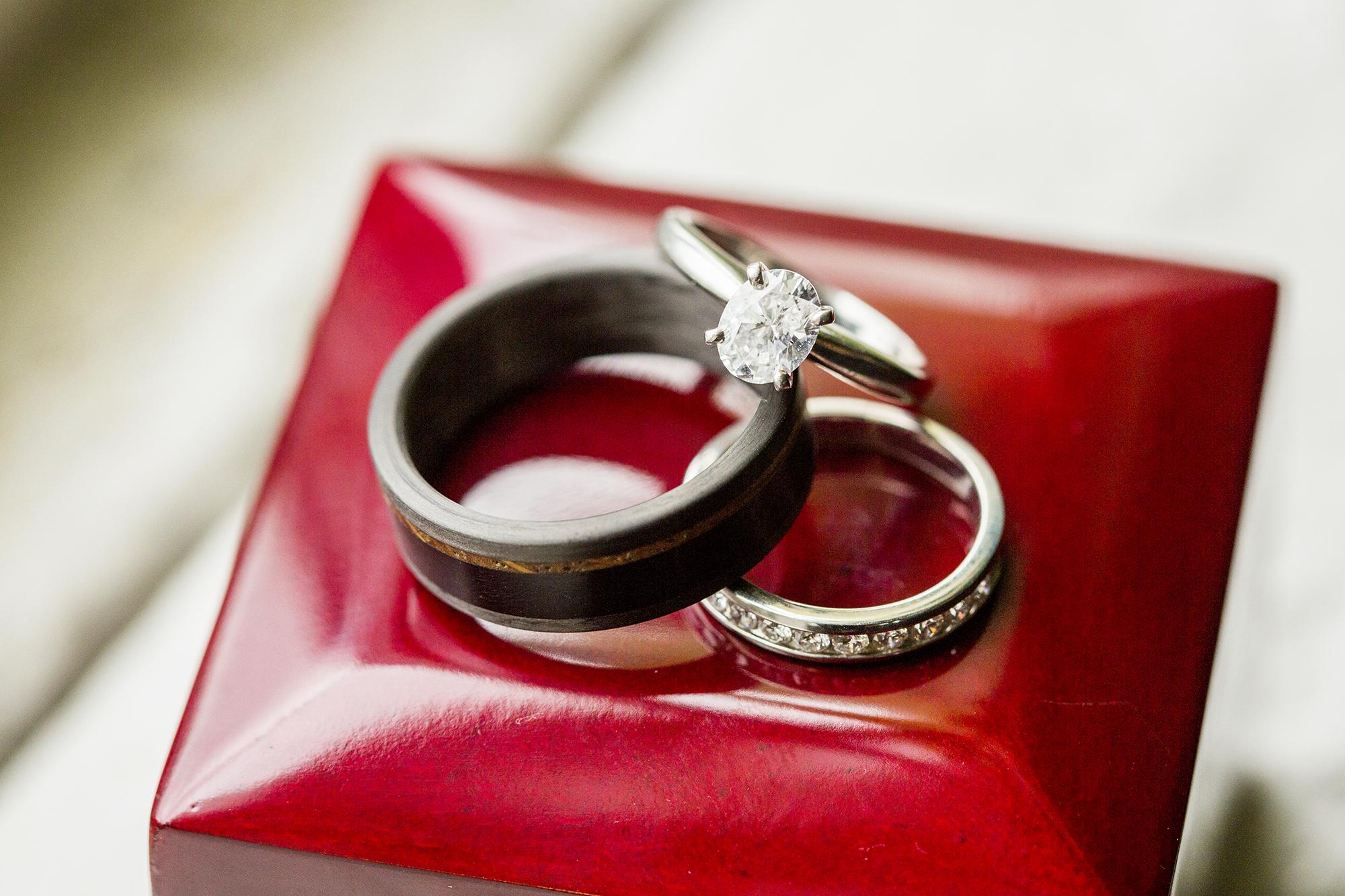 Seriously_Sabrina_Photography_Lexington_Kentucky_Red_Barn_Red_Mile_Wedding_Detoma4.jpg