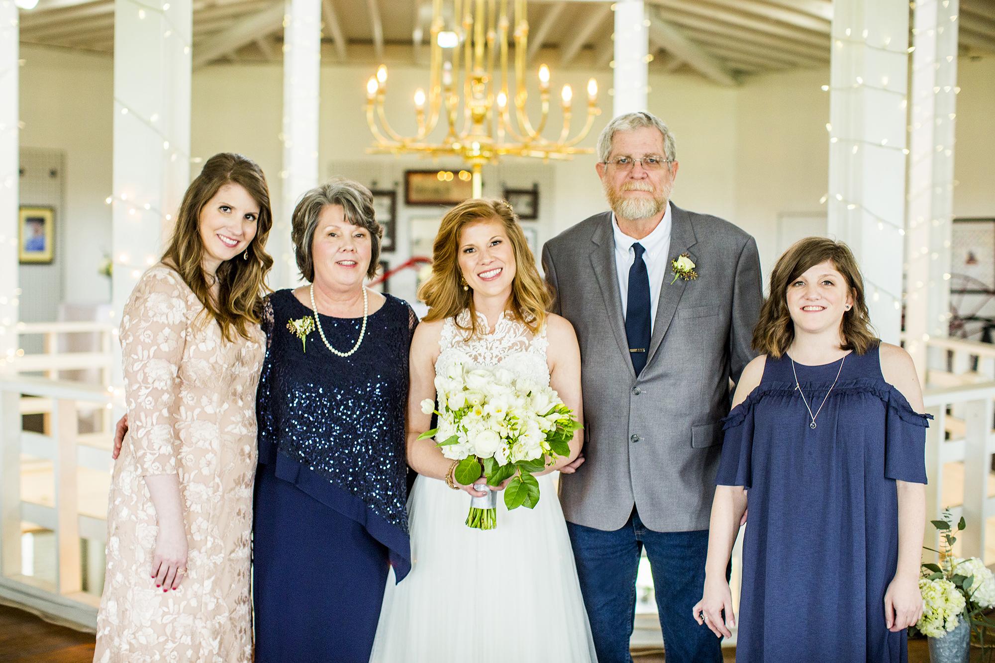 Seriously_Sabrina_Photography_Lexington_Kentucky_Red_Barn_Red_Mile_Wedding_Detoma41.jpg
