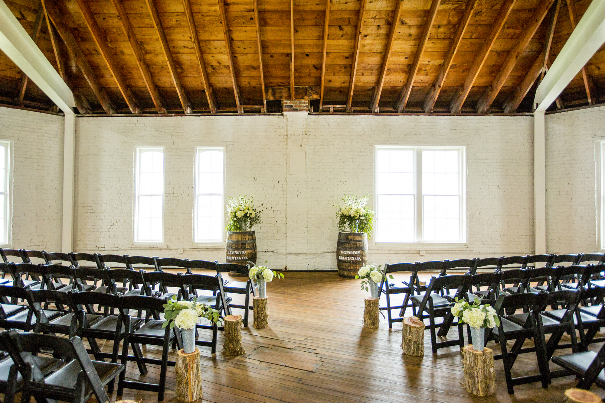 Seriously_Sabrina_Photography_Lexington_Kentucky_Red_Barn_Red_Mile_Wedding_Detoma46.jpg