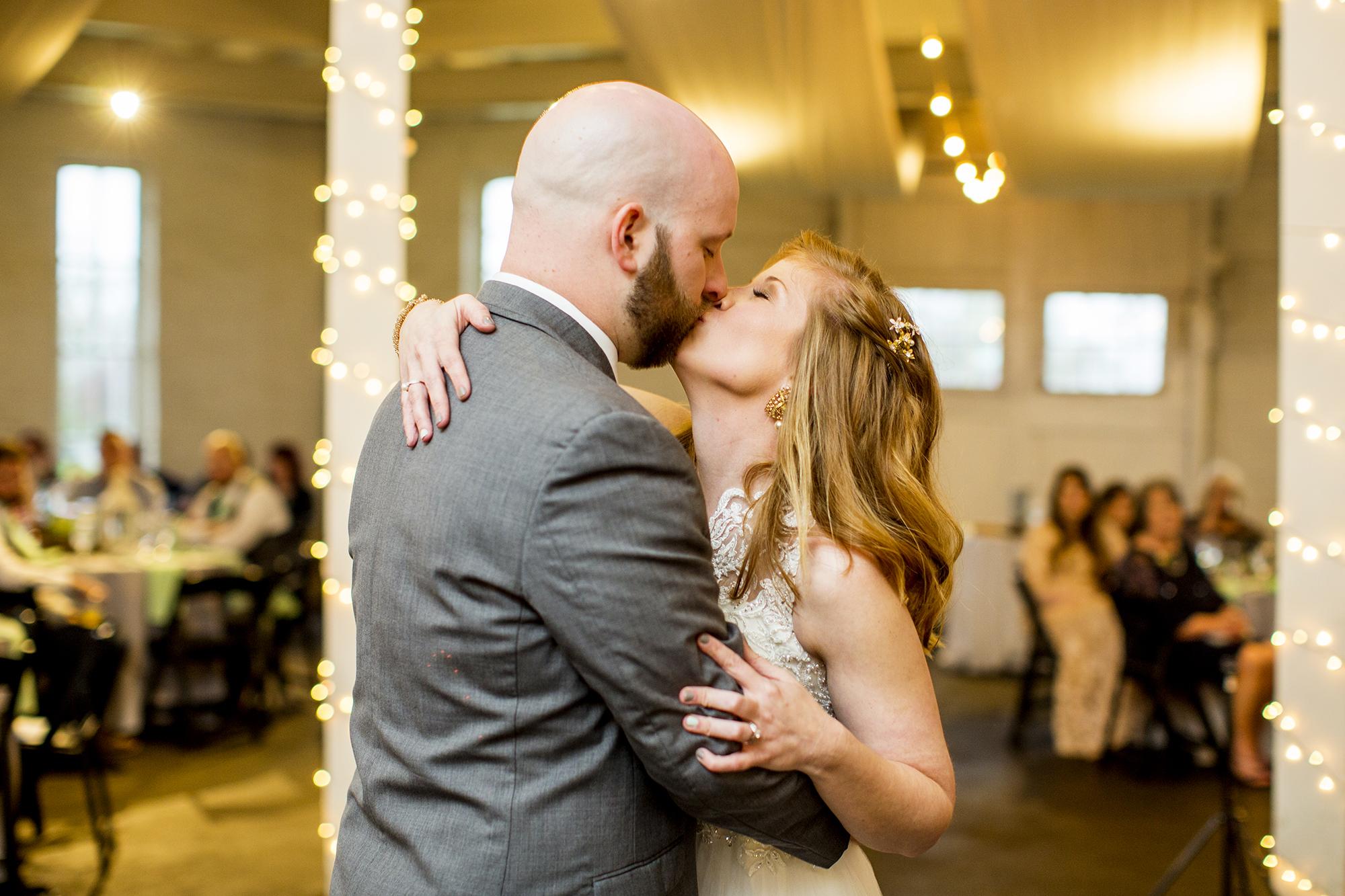 Seriously_Sabrina_Photography_Lexington_Kentucky_Red_Barn_Red_Mile_Wedding_Detoma85.jpg