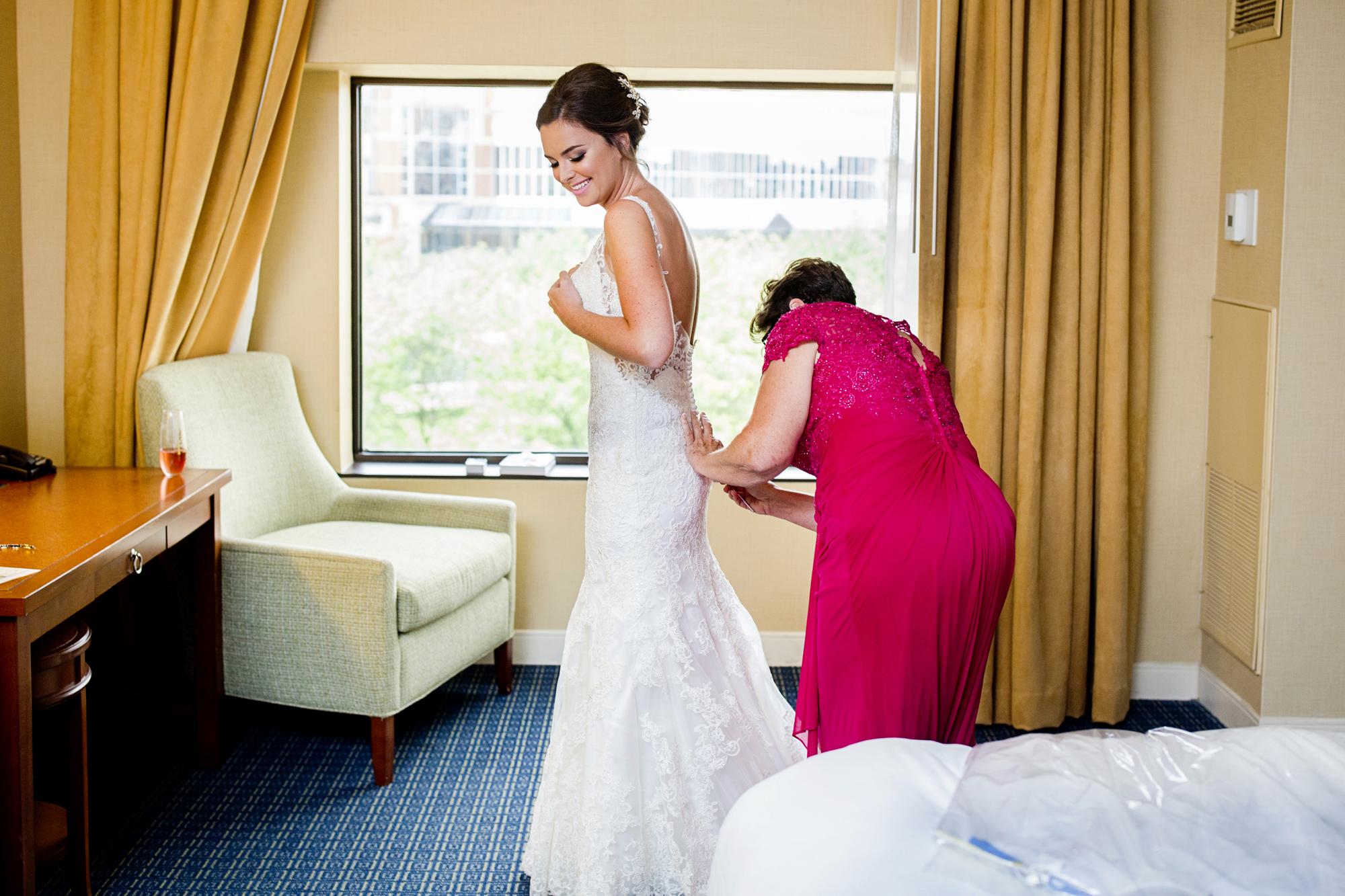 Seriously_Sabrina_Photography_Lexington _Kentucky_Limestone_Hall_Wedding_Rogers12.jpg