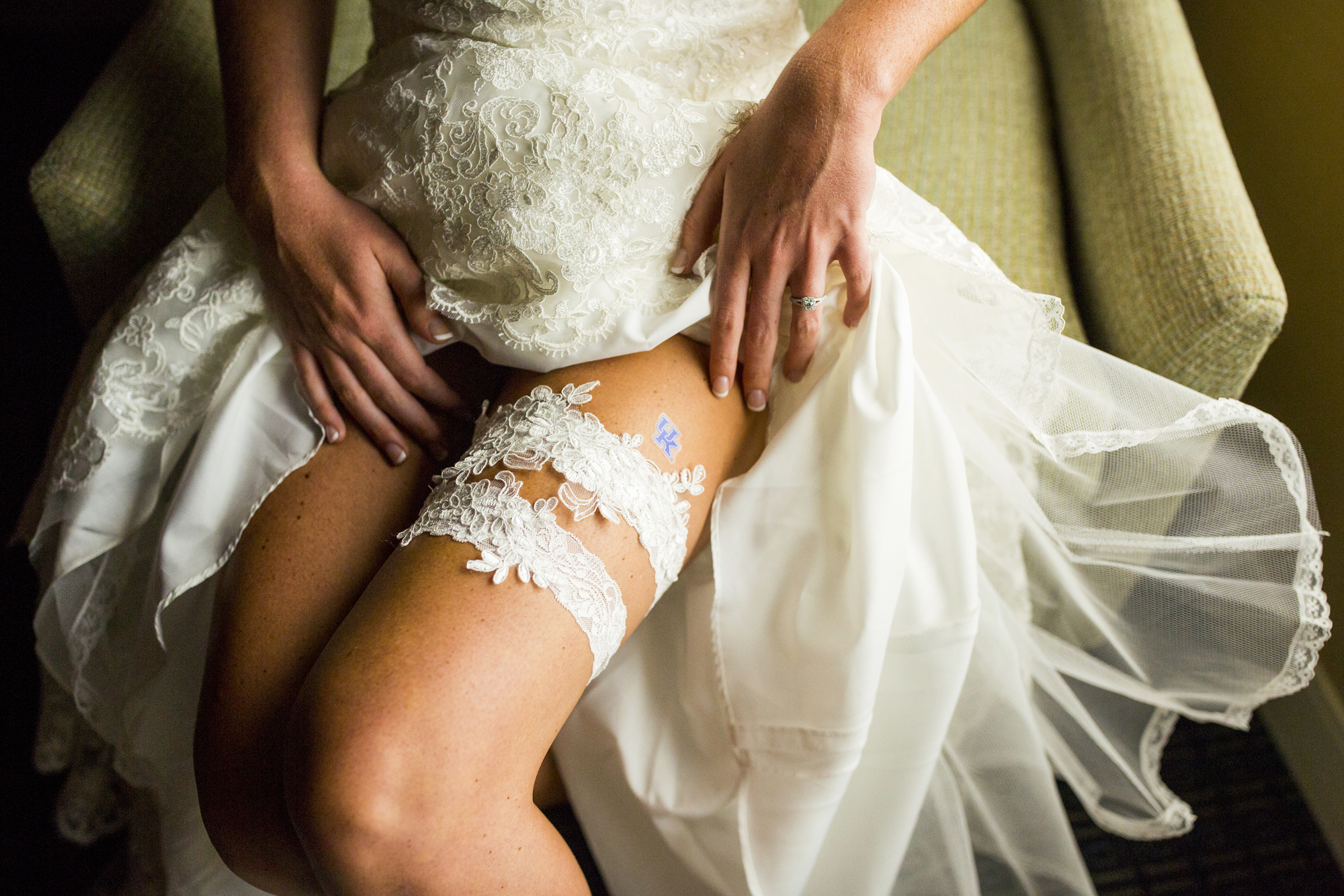 Seriously_Sabrina_Photography_Lexington _Kentucky_Limestone_Hall_Wedding_Rogers15.jpg