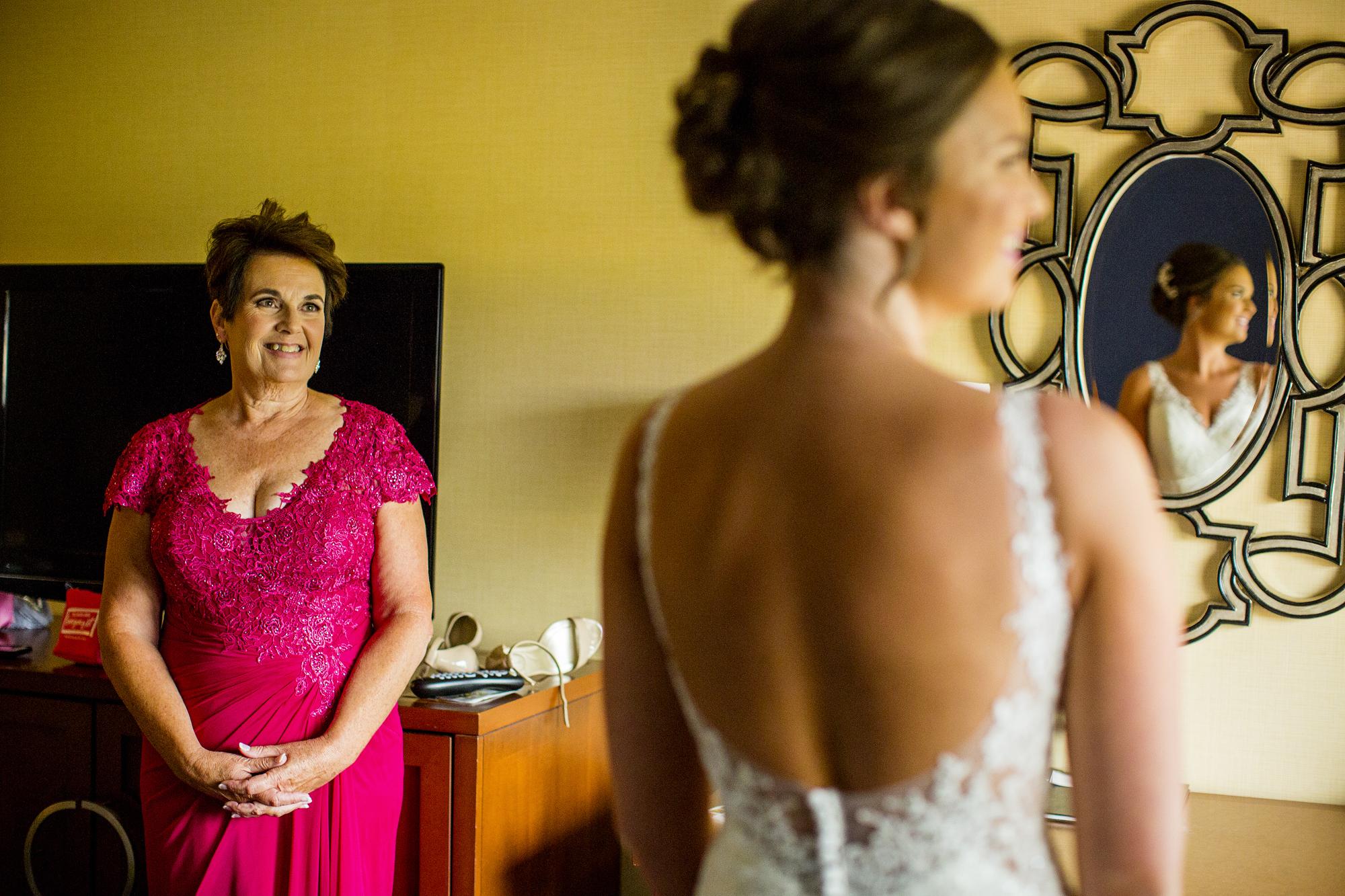 Seriously_Sabrina_Photography_Lexington _Kentucky_Limestone_Hall_Wedding_Rogers18.jpg