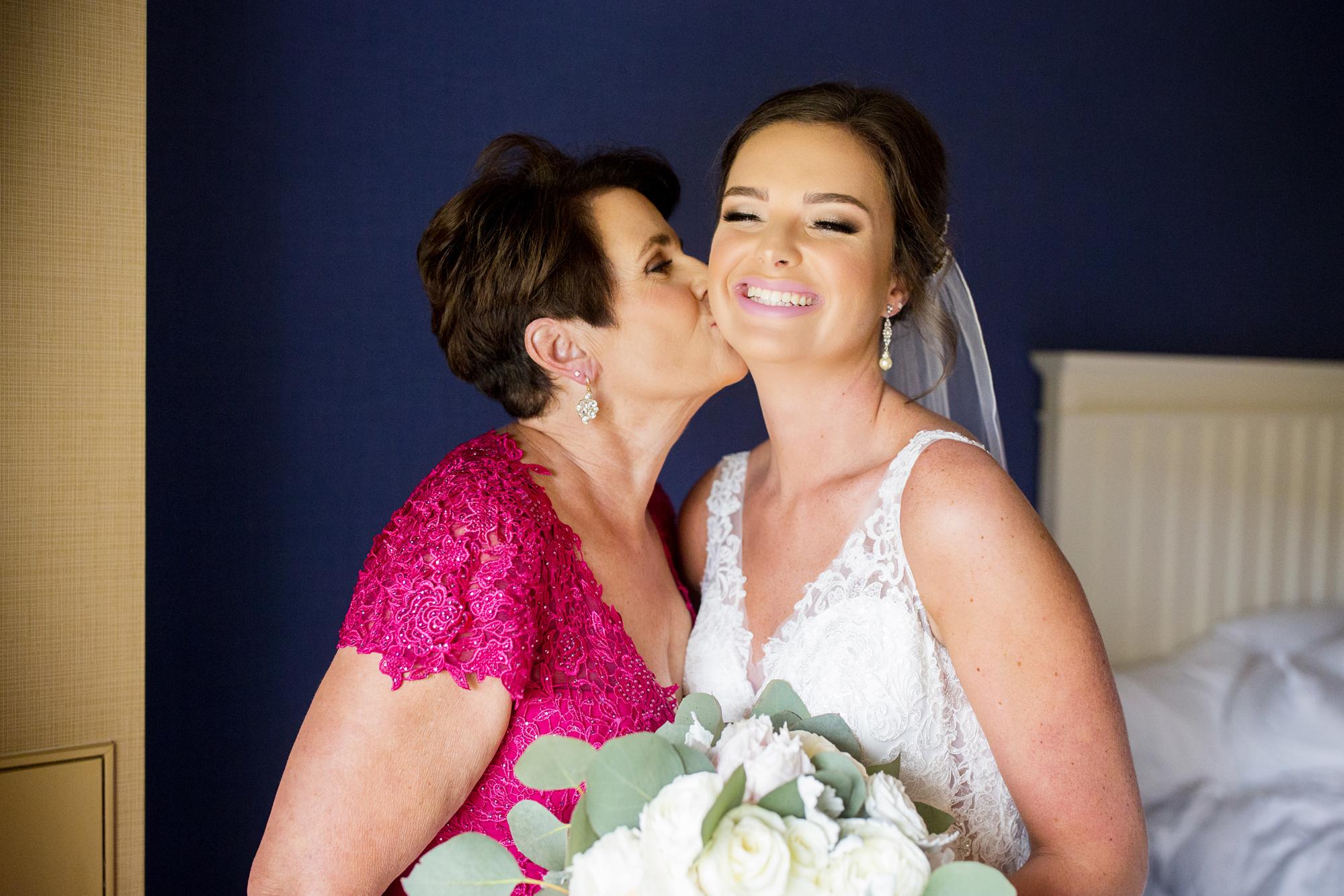 Seriously_Sabrina_Photography_Lexington _Kentucky_Limestone_Hall_Wedding_Rogers29.jpg