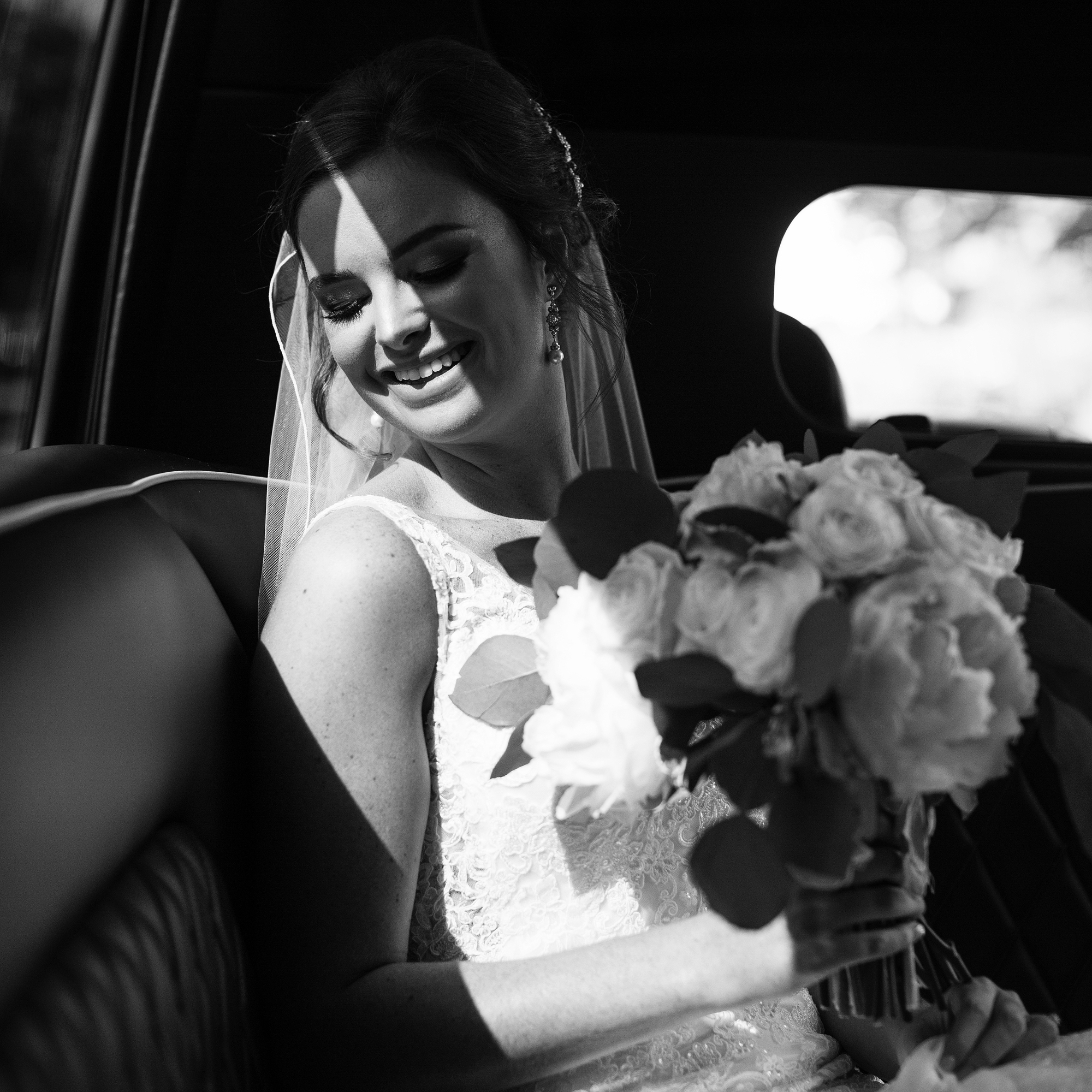 Seriously_Sabrina_Photography_Lexington _Kentucky_Limestone_Hall_Wedding_Rogers72.jpg