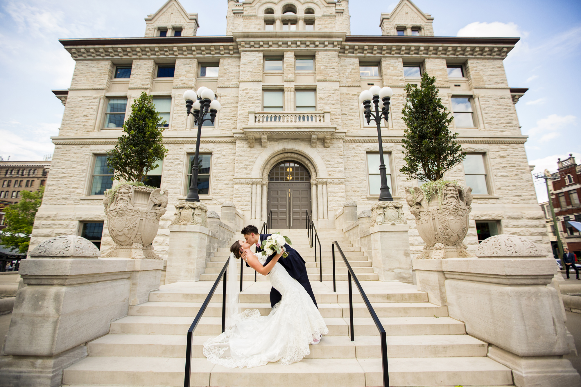 Seriously_Sabrina_Photography_Lexington _Kentucky_Limestone_Hall_Wedding_Rogers77.jpg