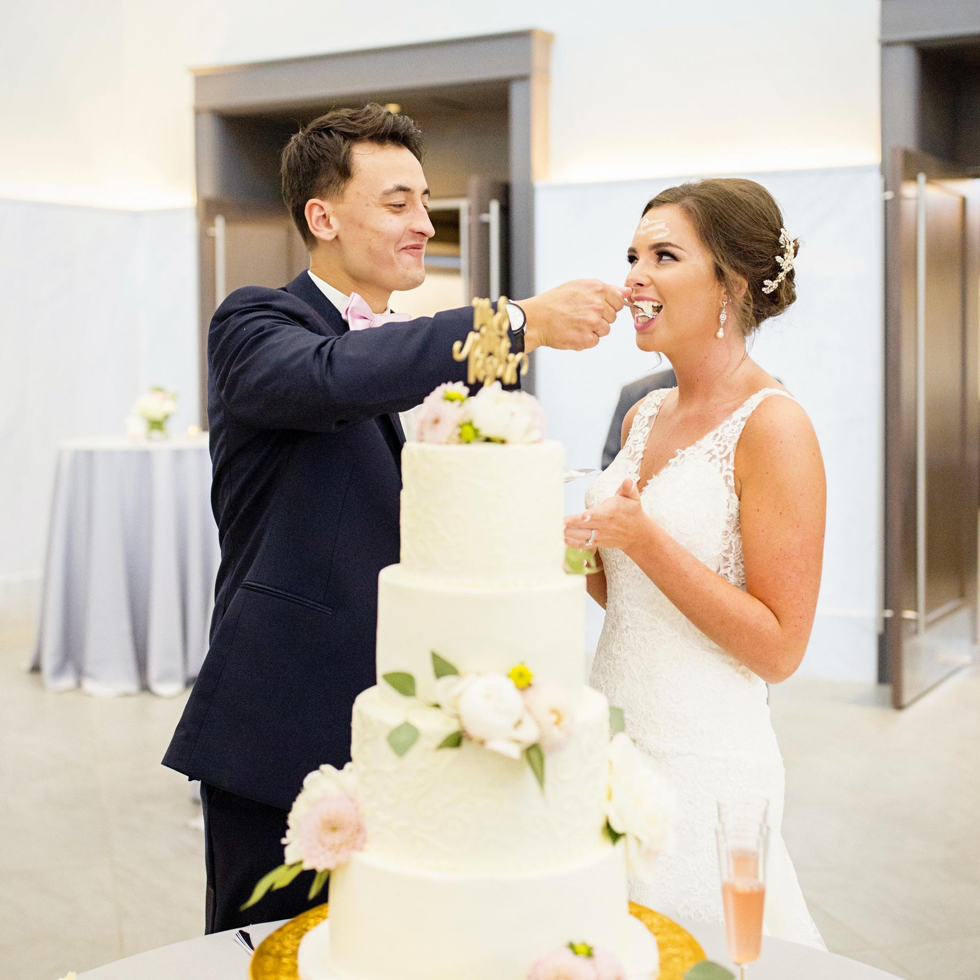 Seriously_Sabrina_Photography_Lexington _Kentucky_Limestone_Hall_Wedding_Rogers93.jpg