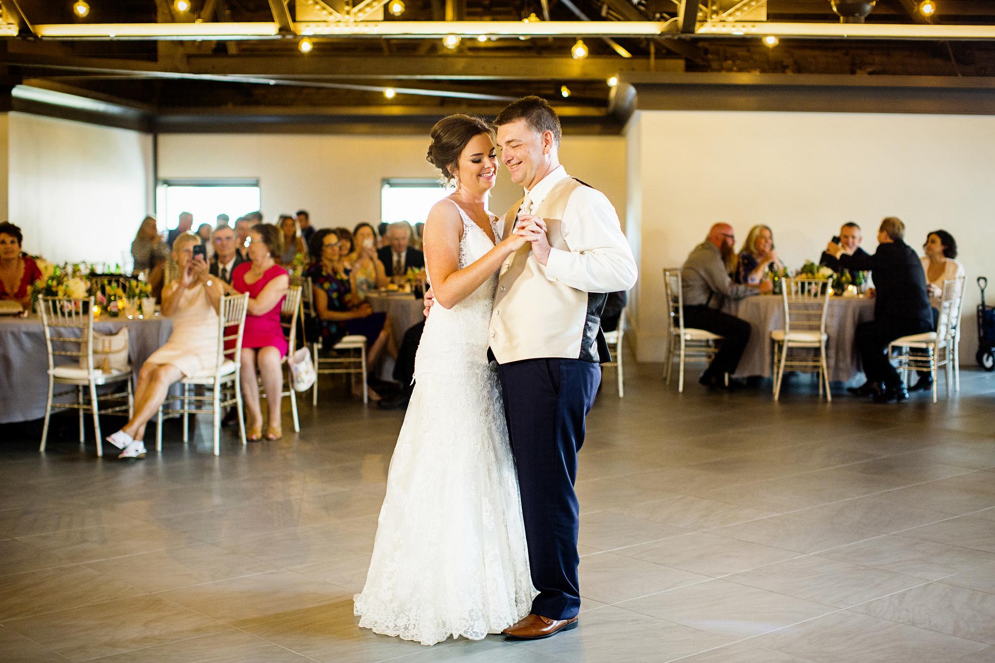 Seriously_Sabrina_Photography_Lexington _Kentucky_Limestone_Hall_Wedding_Rogers103.jpg