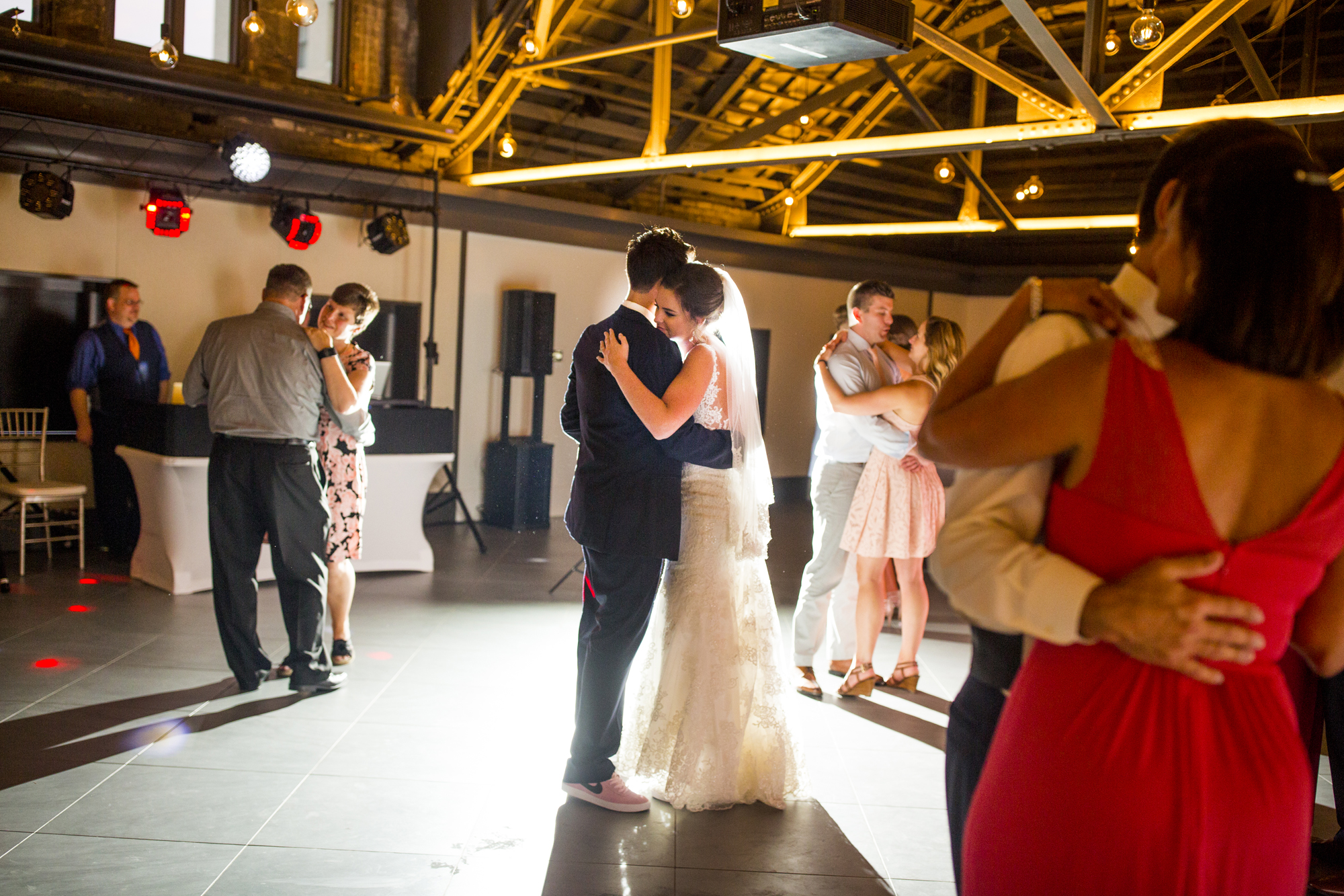 Seriously_Sabrina_Photography_Lexington _Kentucky_Limestone_Hall_Wedding_Rogers163.jpg