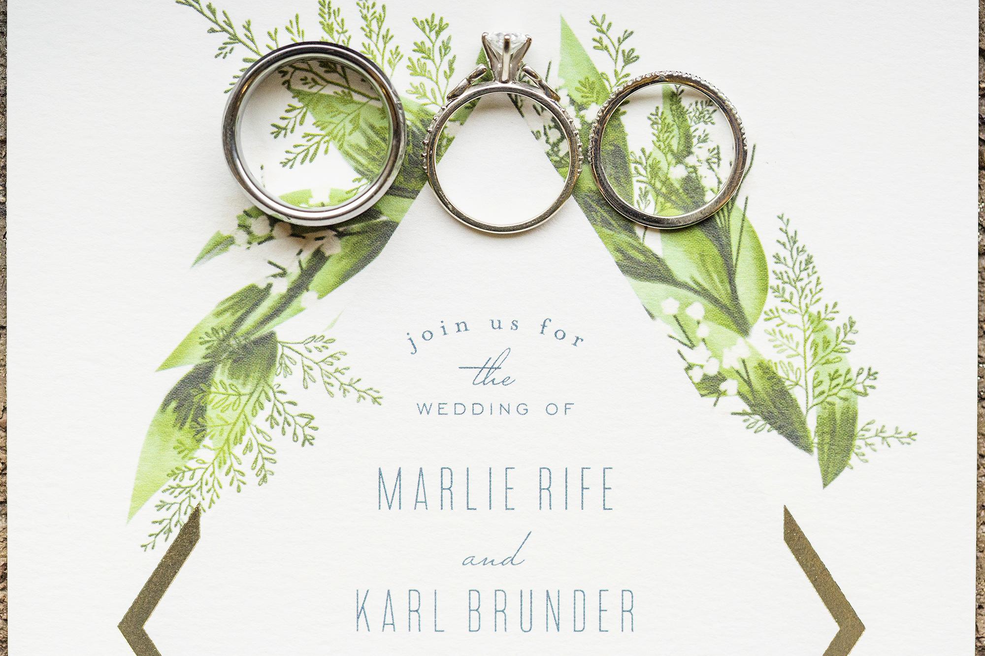 Seriously_Sabrina_Photography_Milwaukee_Wisconsin_Wedding_Schlitz_Audubon_Nature_Center_BrunderRife1.jpg