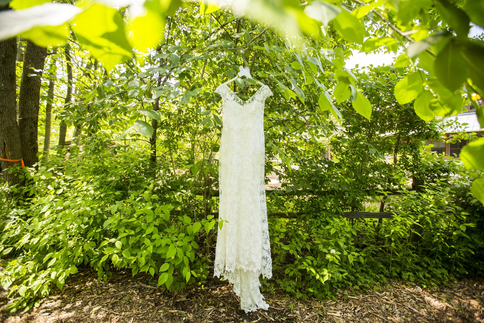Seriously_Sabrina_Photography_Milwaukee_Wisconsin_Wedding_Schlitz_Audubon_Nature_Center_BrunderRife8.jpg