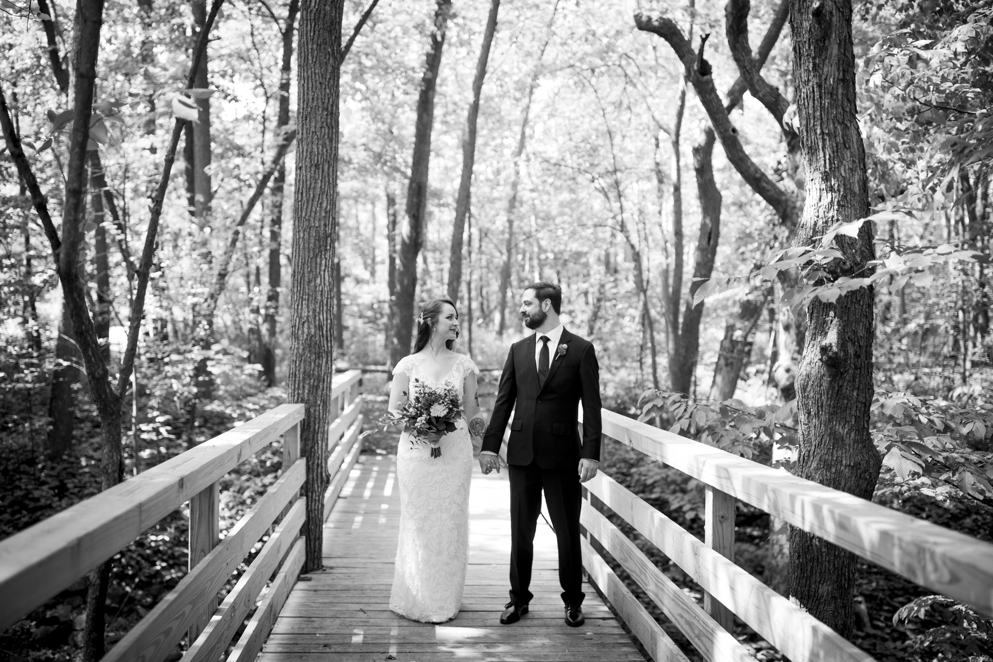 Seriously_Sabrina_Photography_Milwaukee_Wisconsin_Wedding_Schlitz_Audubon_Nature_Center_BrunderRife26.jpg