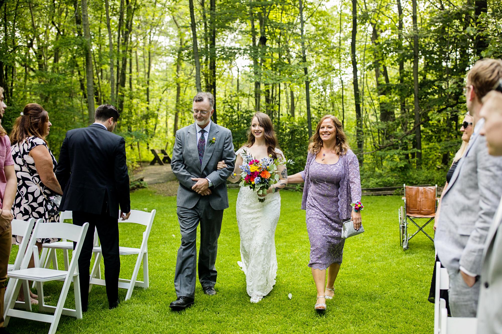 Seriously_Sabrina_Photography_Milwaukee_Wisconsin_Wedding_Schlitz_Audubon_Nature_Center_BrunderRife61.jpg