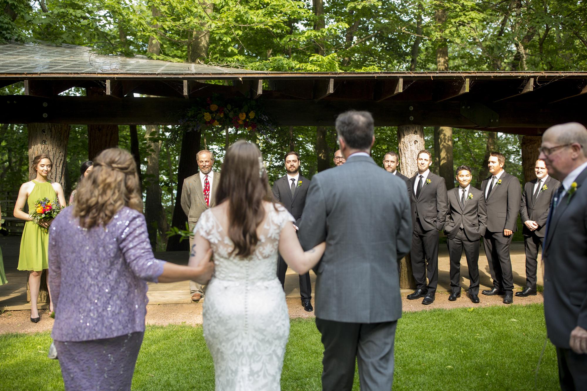 Seriously_Sabrina_Photography_Milwaukee_Wisconsin_Wedding_Schlitz_Audubon_Nature_Center_BrunderRife63.jpg