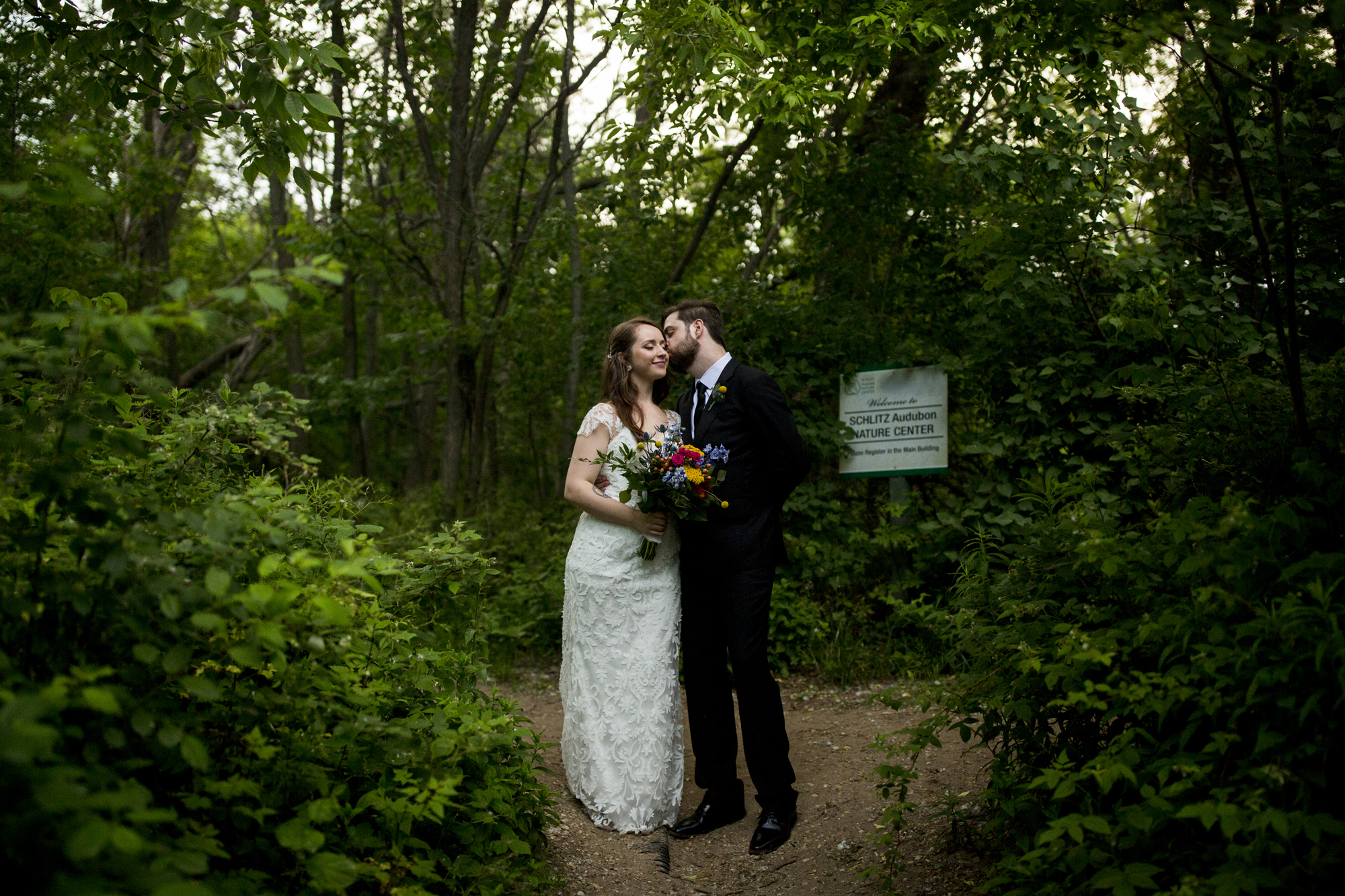 Seriously_Sabrina_Photography_Milwaukee_Wisconsin_Wedding_Schlitz_Audubon_Nature_Center_BrunderRife123.jpg