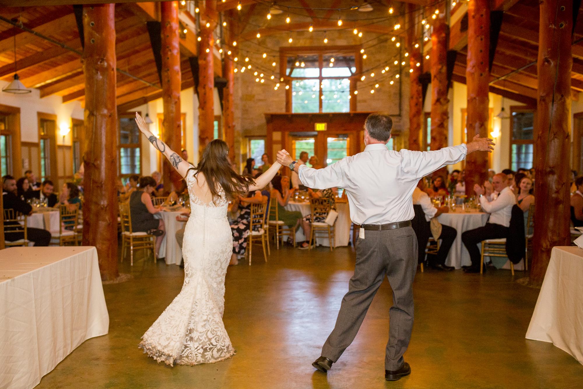 Seriously_Sabrina_Photography_Milwaukee_Wisconsin_Wedding_Schlitz_Audubon_Nature_Center_BrunderRife132.jpg