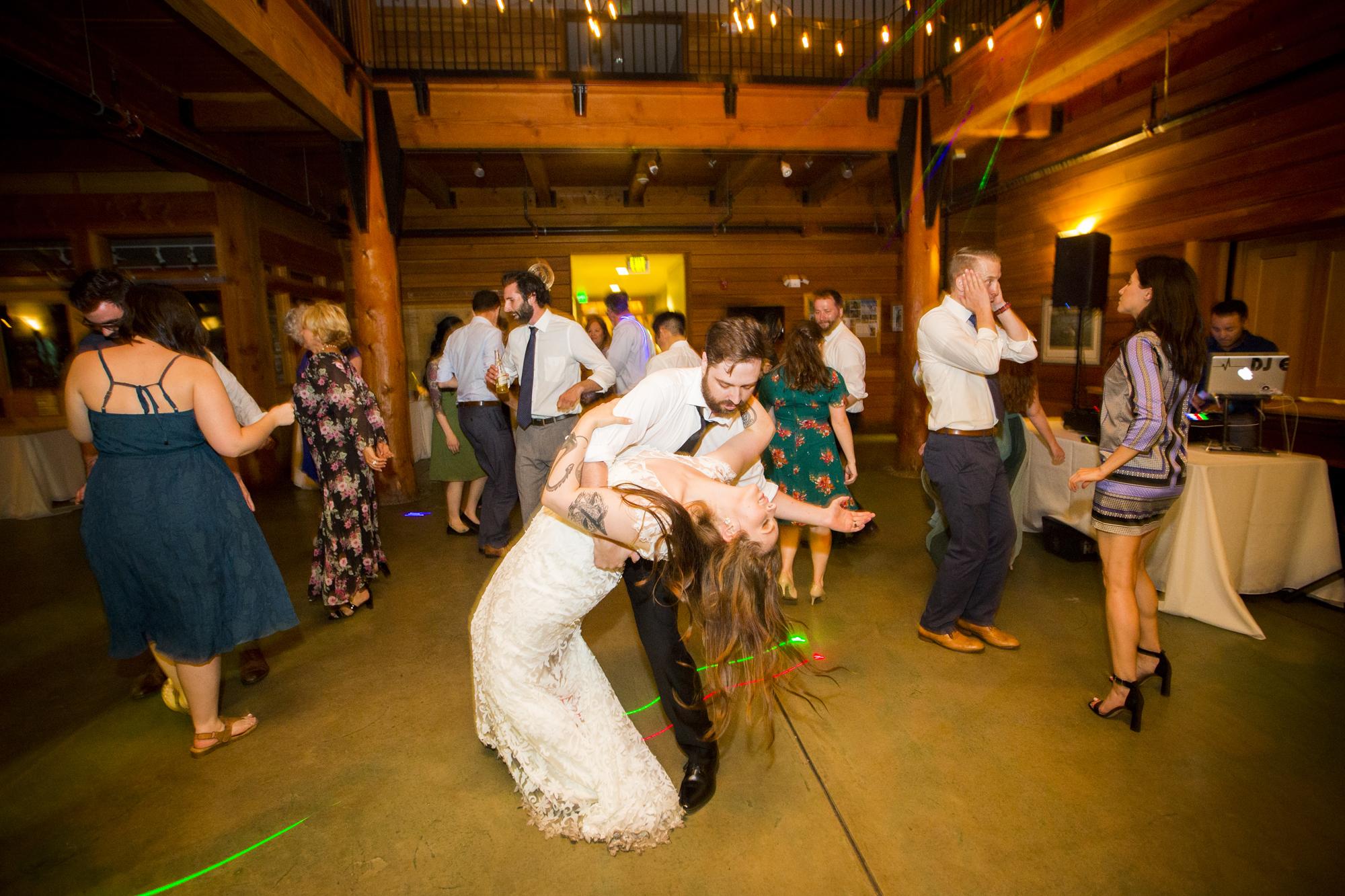 Seriously_Sabrina_Photography_Milwaukee_Wisconsin_Wedding_Schlitz_Audubon_Nature_Center_BrunderRife143.jpg