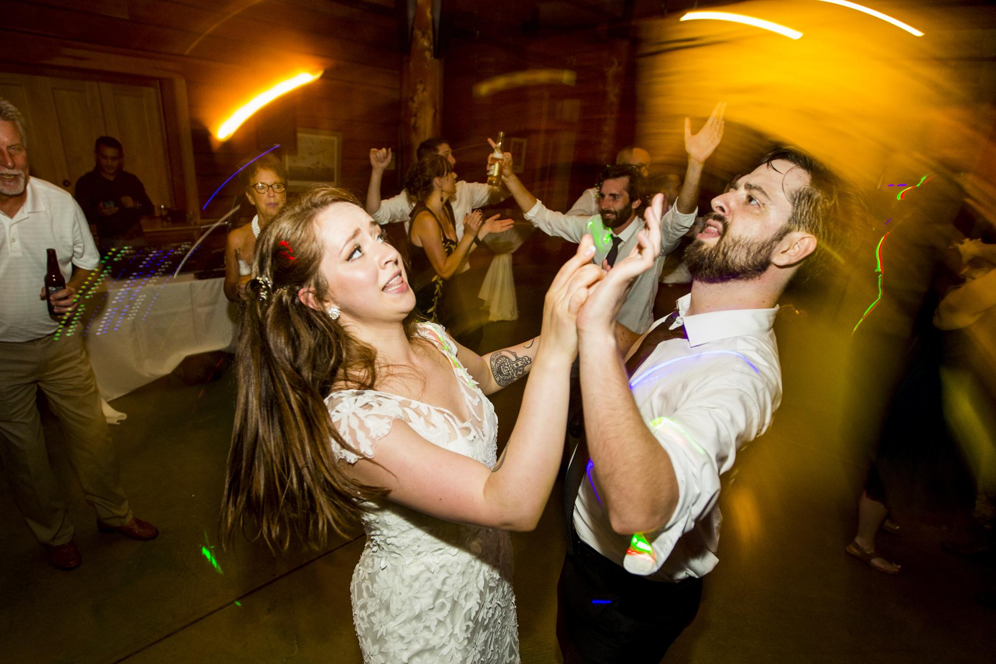 Seriously_Sabrina_Photography_Milwaukee_Wisconsin_Wedding_Schlitz_Audubon_Nature_Center_BrunderRife147.jpg