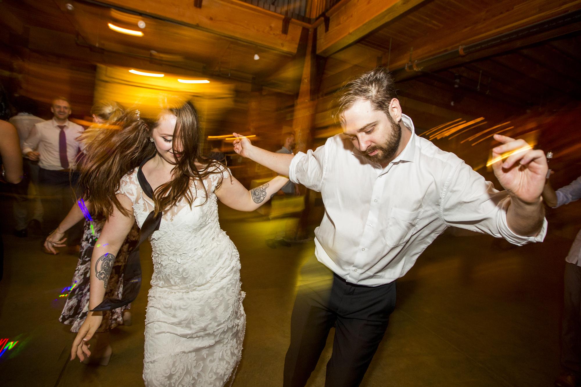 Seriously_Sabrina_Photography_Milwaukee_Wisconsin_Wedding_Schlitz_Audubon_Nature_Center_BrunderRife160.jpg