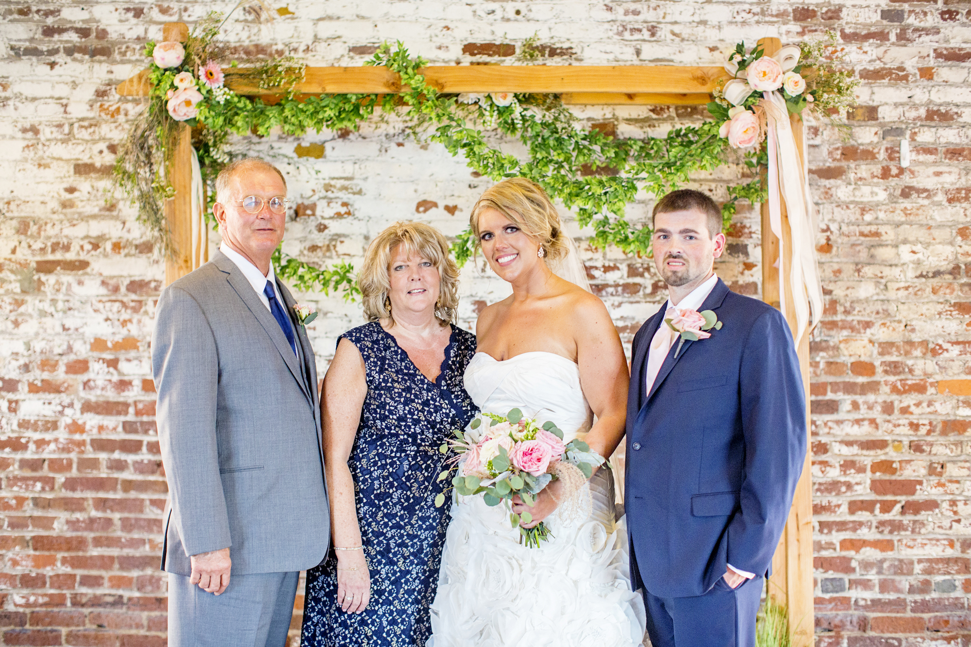 Seriously_Sabrina_Photography_Ashland_Kentucky_Train_Depot_Wedding_Parsons62.jpg