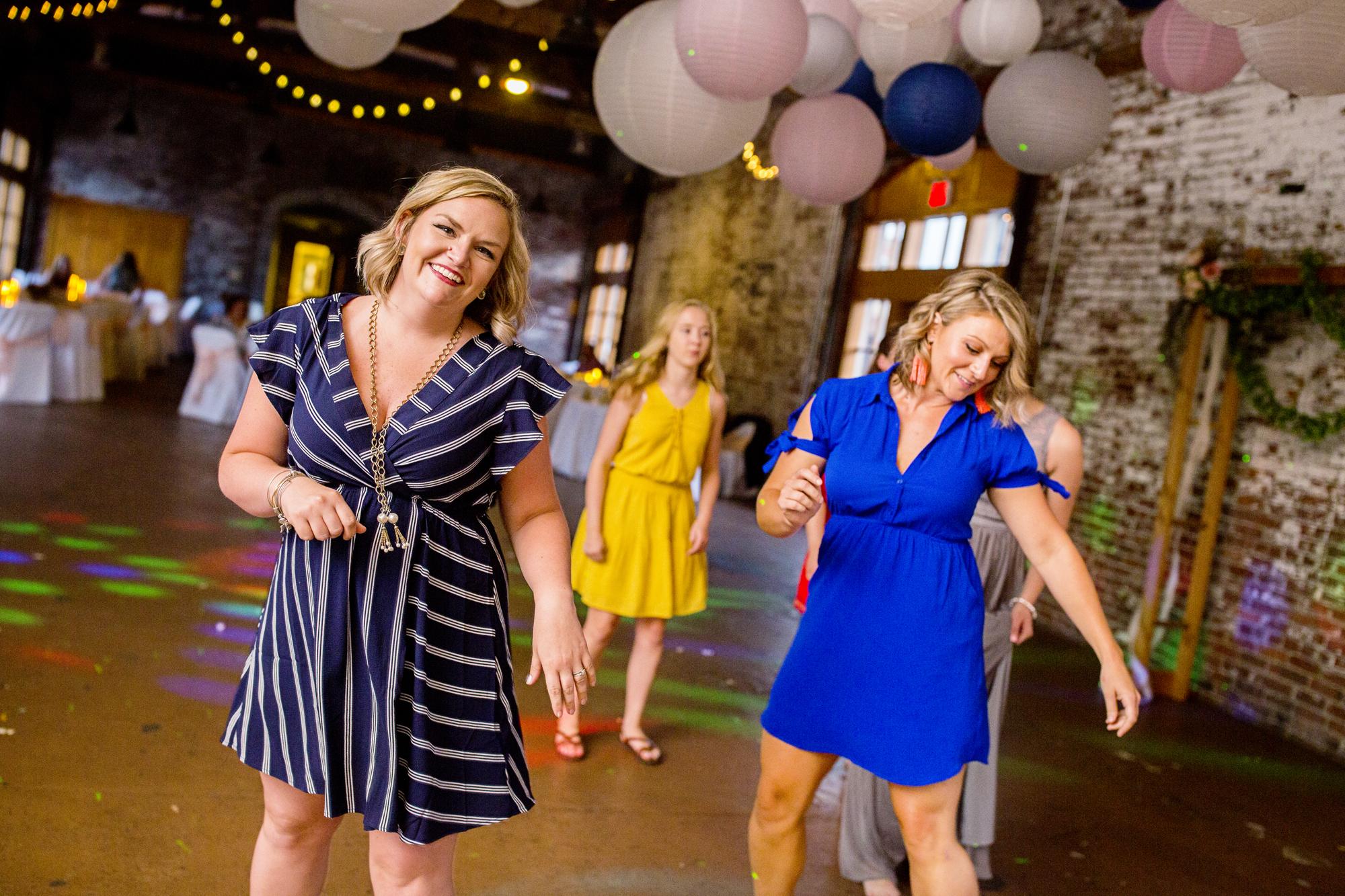 Seriously_Sabrina_Photography_Ashland_Kentucky_Train_Depot_Wedding_Parsons86.jpg