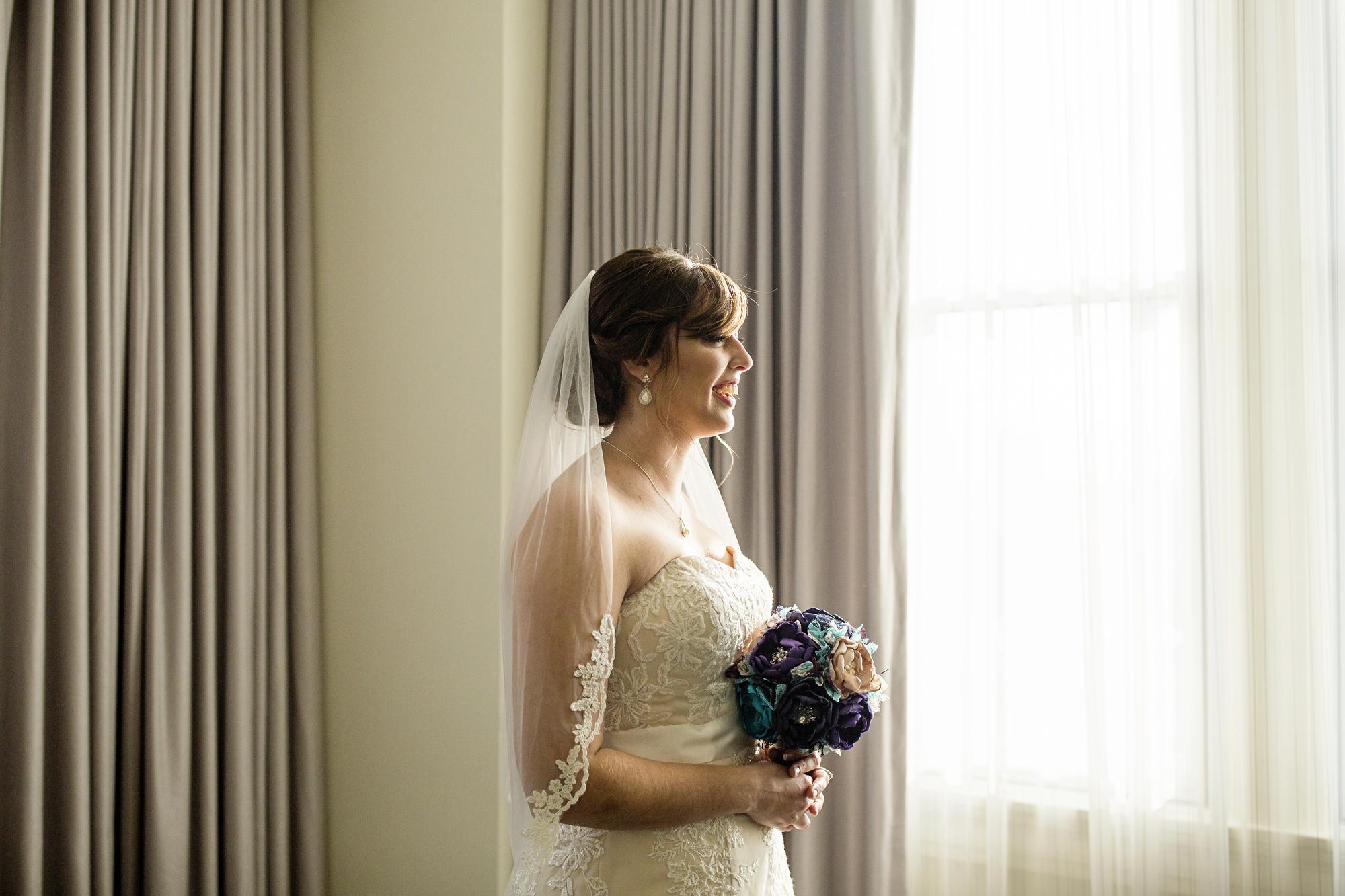 Seriously_Sabrina_Photography_Lexington_Kentucky_21c_Round_Barn_Red_Mile_Wedding_Gorley_30.jpg