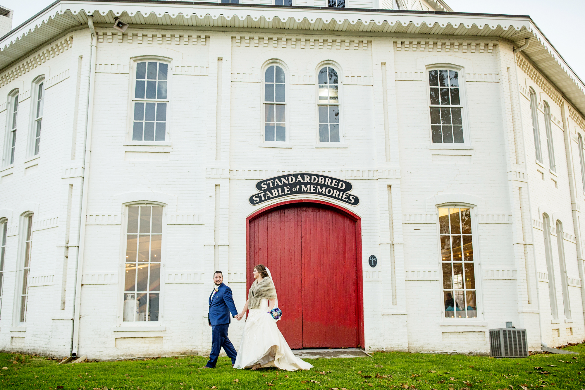 Seriously_Sabrina_Photography_Lexington_Kentucky_21c_Round_Barn_Red_Mile_Wedding_Gorley_48.jpg