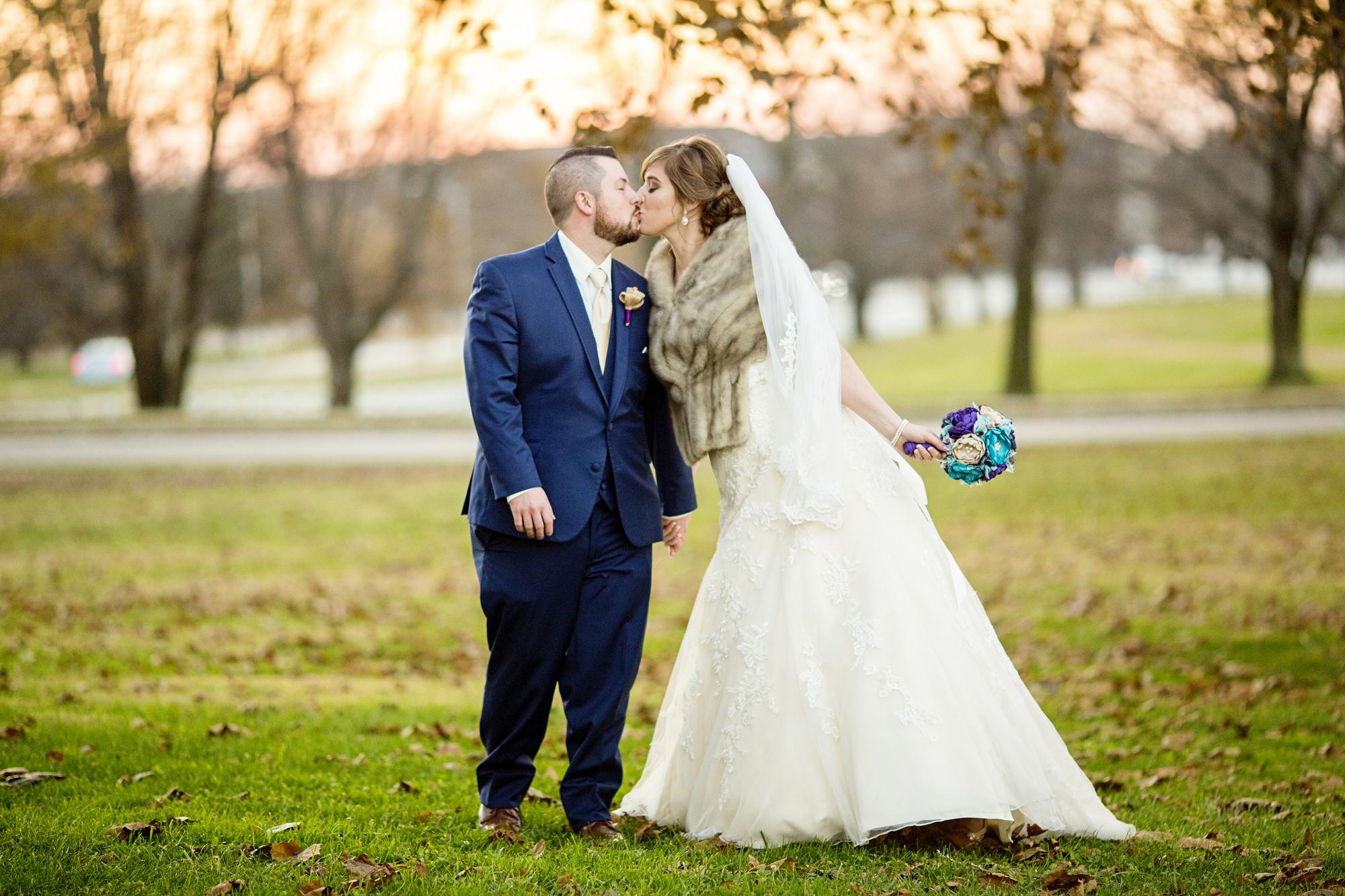 Seriously_Sabrina_Photography_Lexington_Kentucky_21c_Round_Barn_Red_Mile_Wedding_Gorley_49.jpg