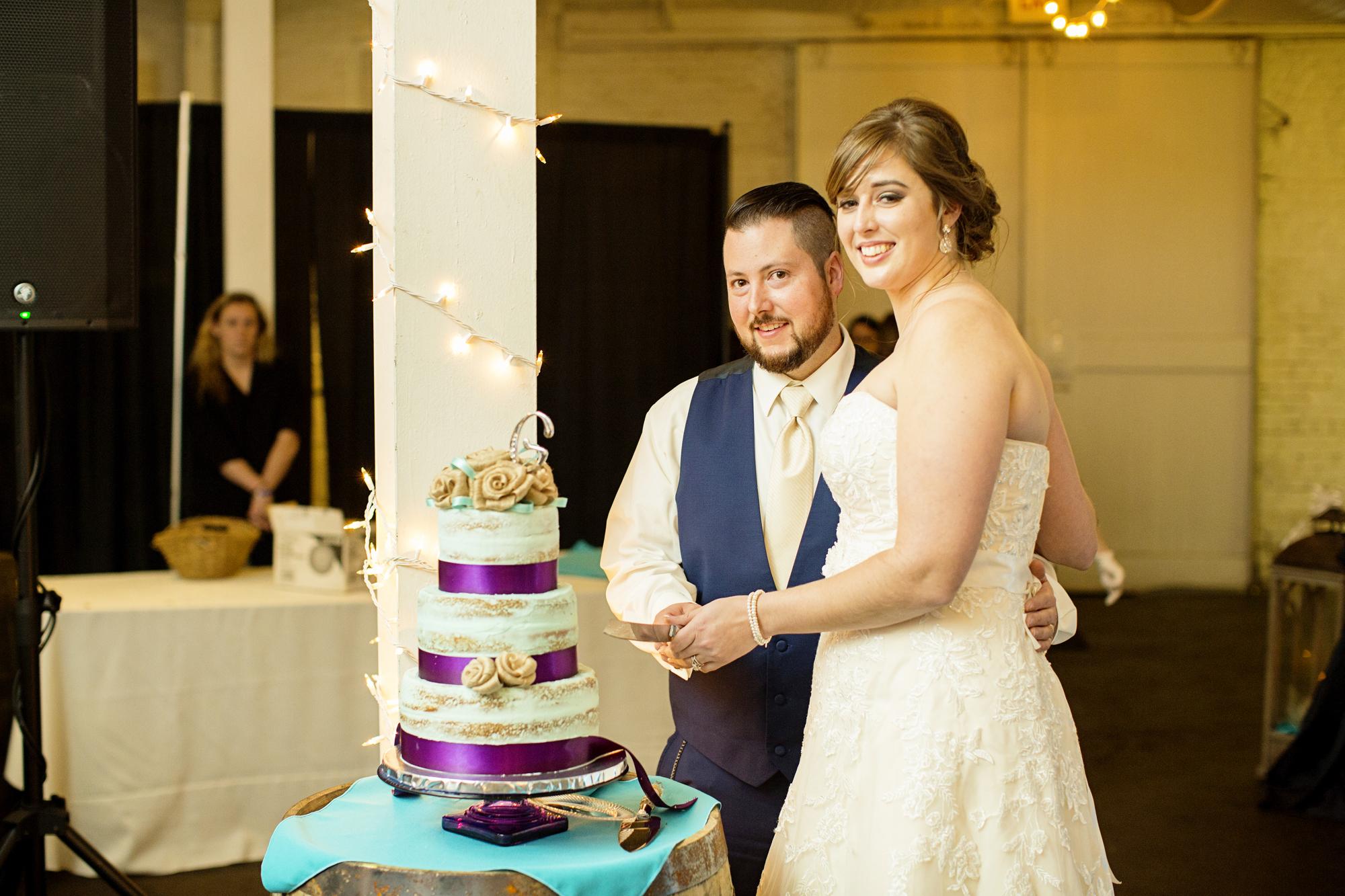 Seriously_Sabrina_Photography_Lexington_Kentucky_21c_Round_Barn_Red_Mile_Wedding_Gorley_108.jpg
