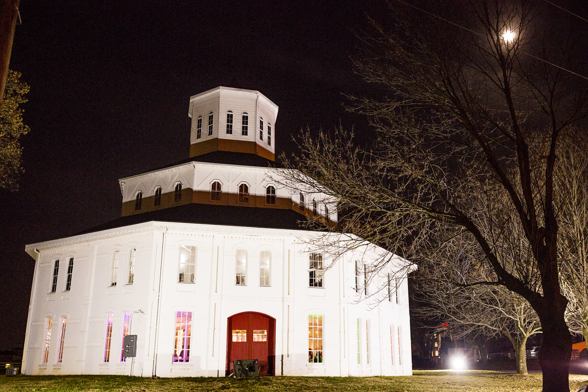 Seriously_Sabrina_Photography_Lexington_Kentucky_21c_Round_Barn_Red_Mile_Wedding_Gorley_141.jpg
