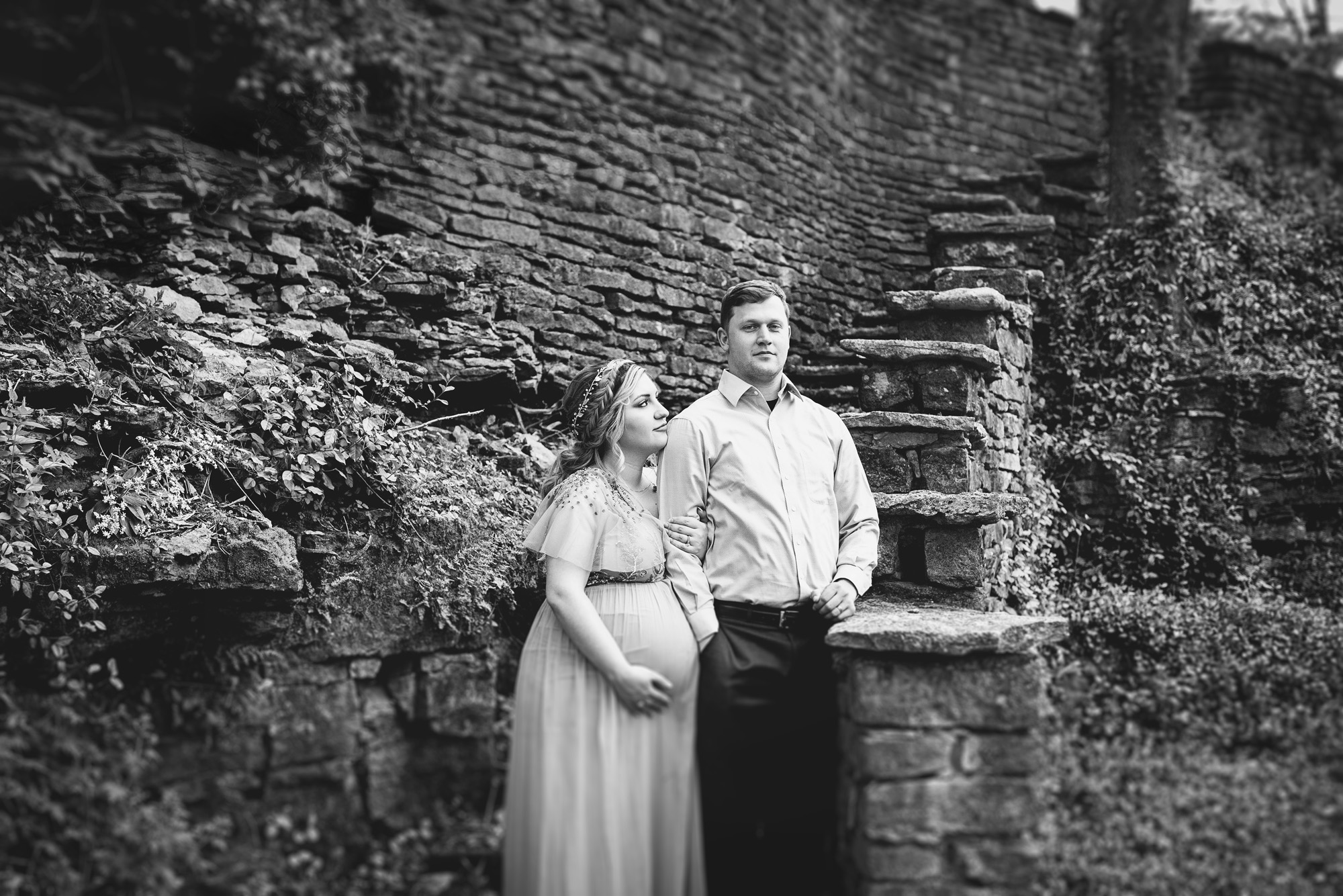 Seriously_Sabrina_Photography_Lexington_Kentucky_Fairytale_Maternity_Portraits_Horse_Park_Reynolds_29.jpg