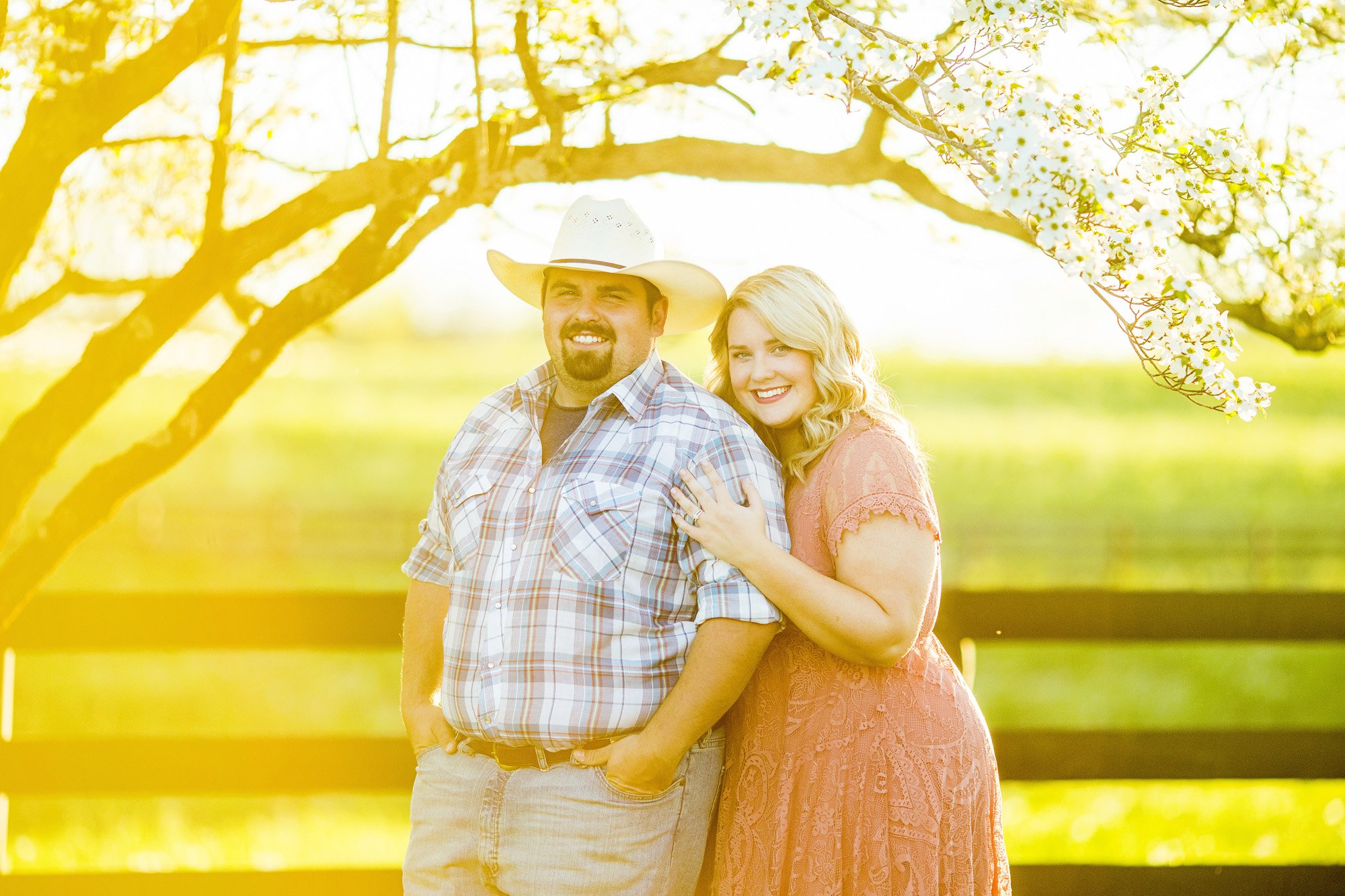 Seriously_Sabrina_Photography_Lexington_Kentucky_Sunset_Farm_Engagement_Cody_Sara_1.jpg