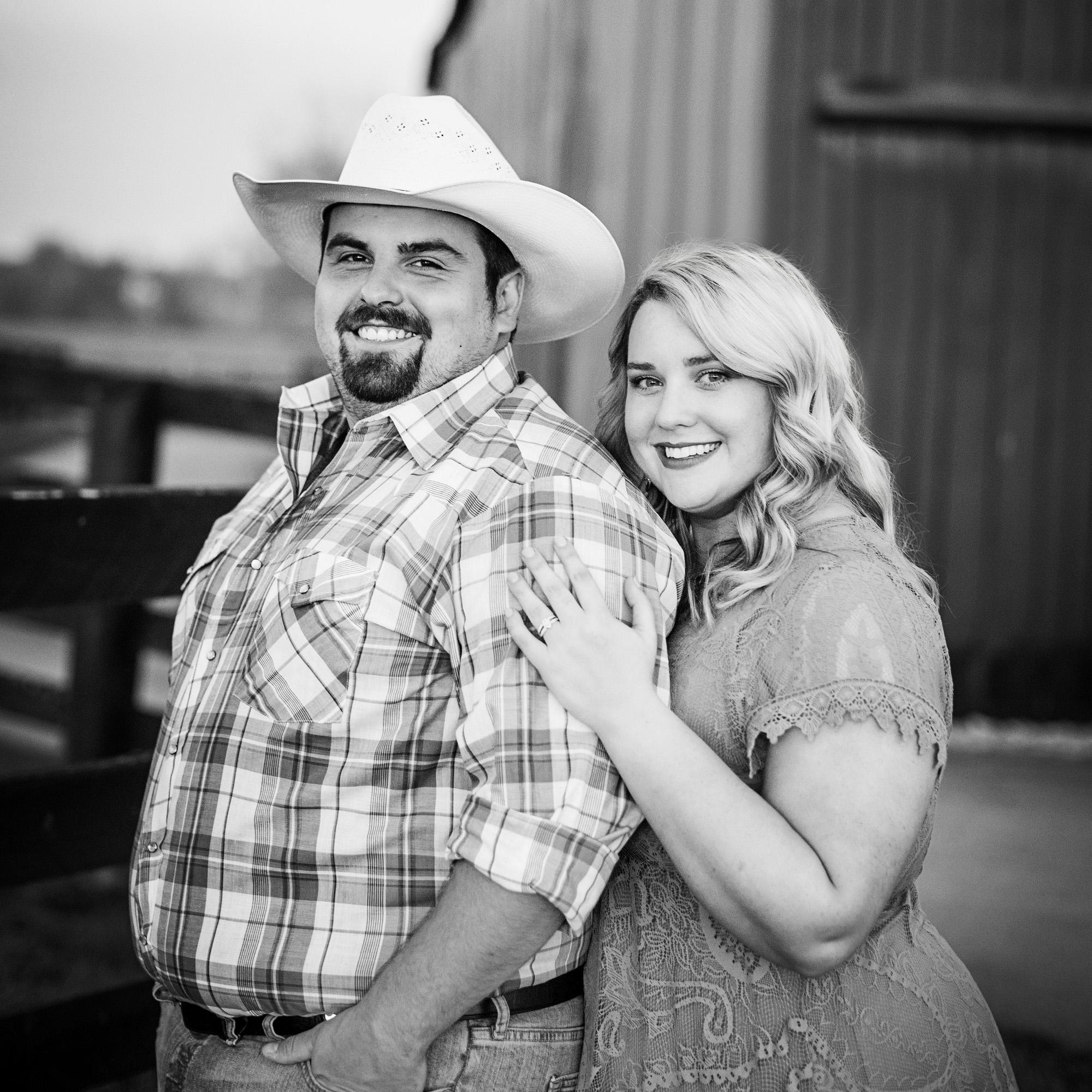 Seriously_Sabrina_Photography_Lexington_Kentucky_Sunset_Farm_Engagement_Cody_Sara_23.jpg