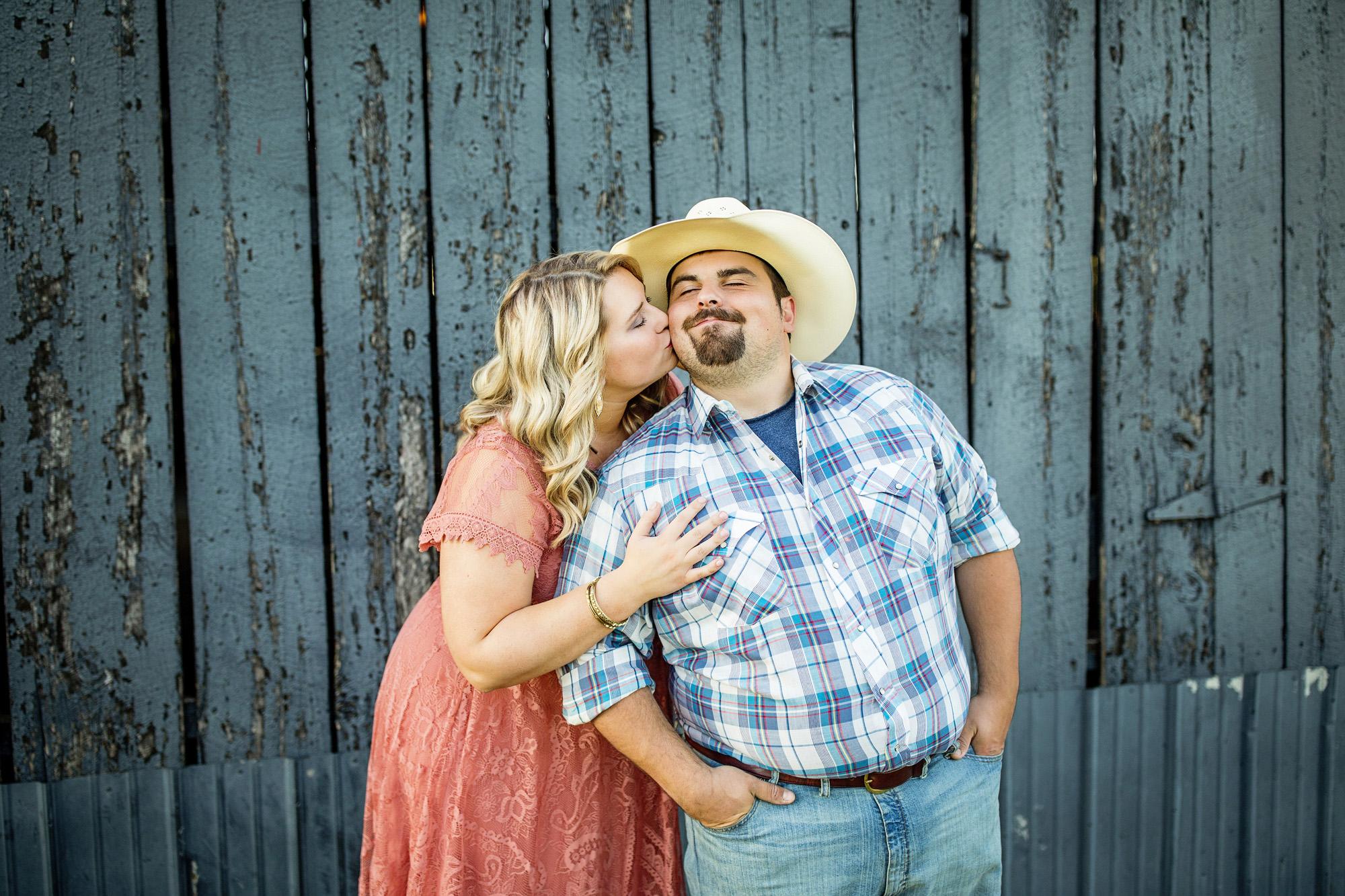 Seriously_Sabrina_Photography_Lexington_Kentucky_Sunset_Farm_Engagement_Cody_Sara_28.jpg