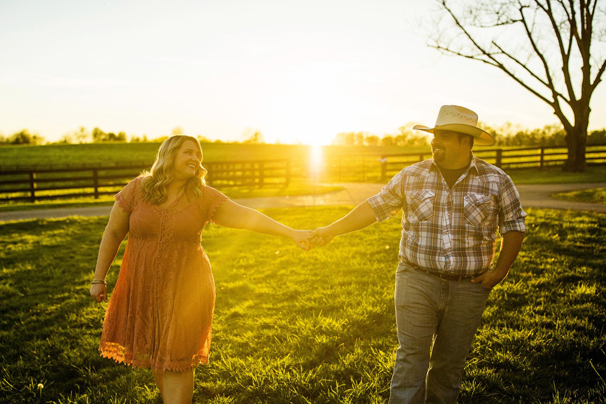Seriously_Sabrina_Photography_Lexington_Kentucky_Sunset_Farm_Engagement_Cody_Sara_29.jpg