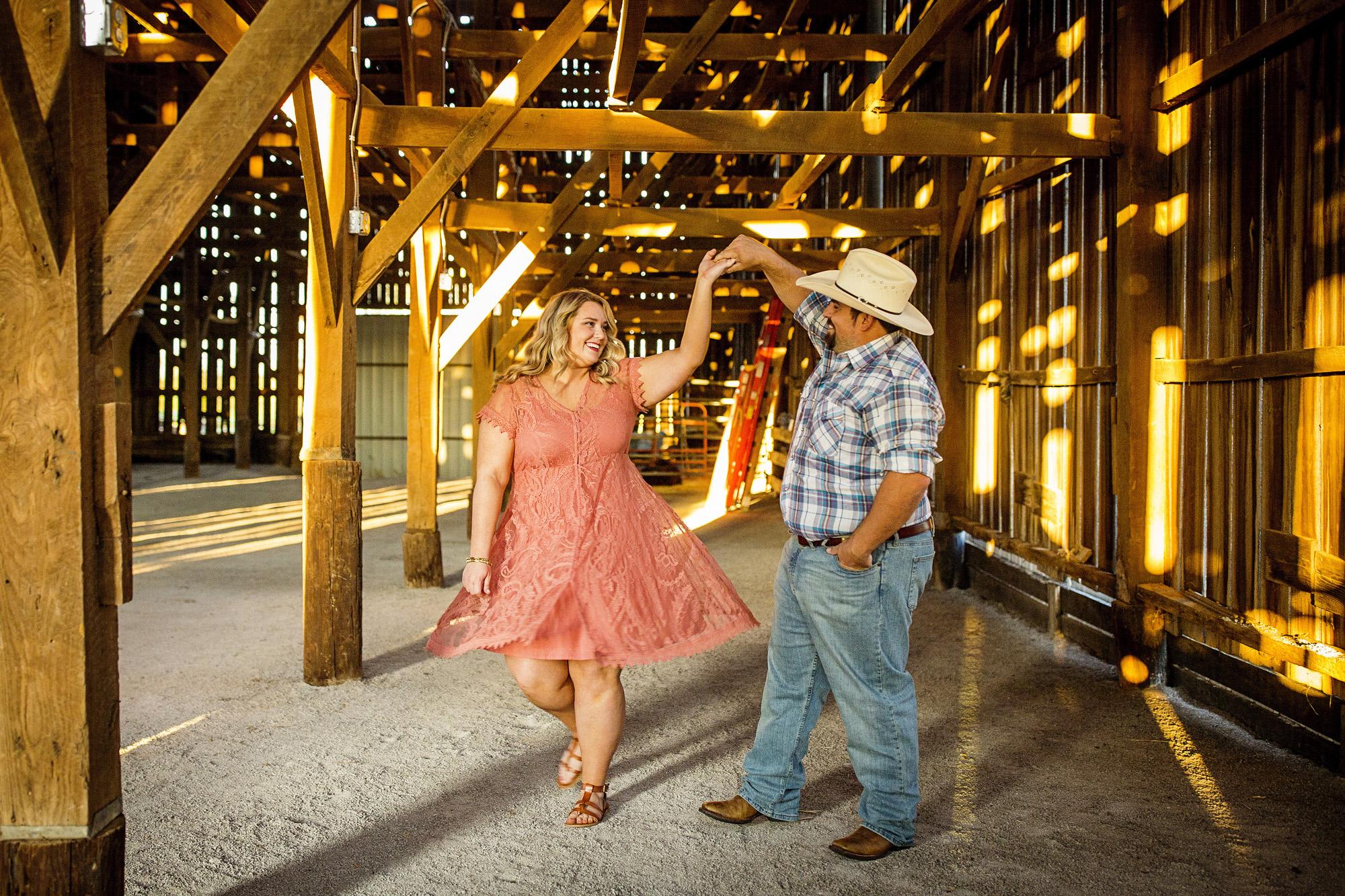 Seriously_Sabrina_Photography_Lexington_Kentucky_Sunset_Farm_Engagement_Cody_Sara_31.jpg