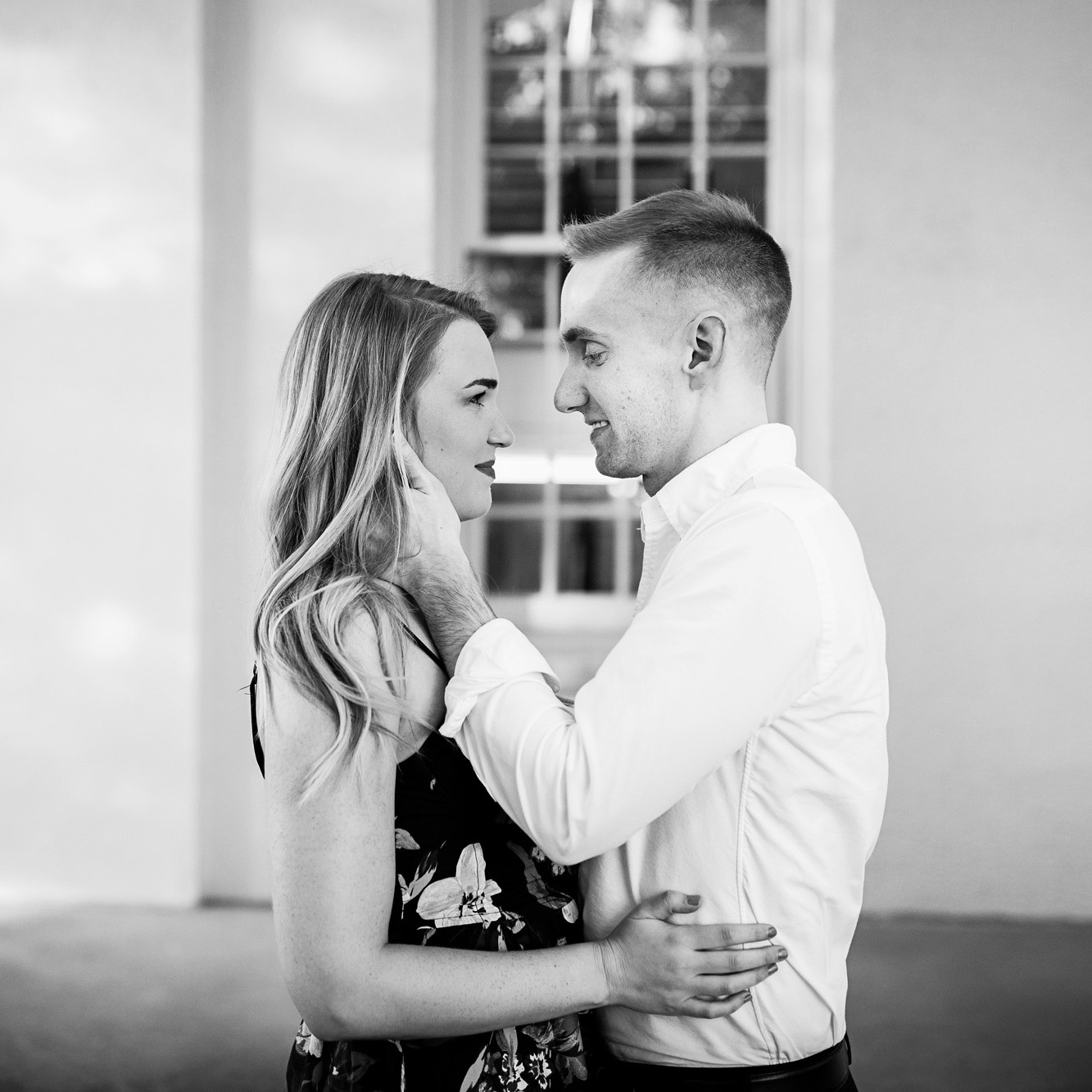 Seriously_Sabrina_Photography_Lexington_Kentucky_Transylvania_Burl_Distillery_District_Downtown_Engagement_JJ_4.jpg