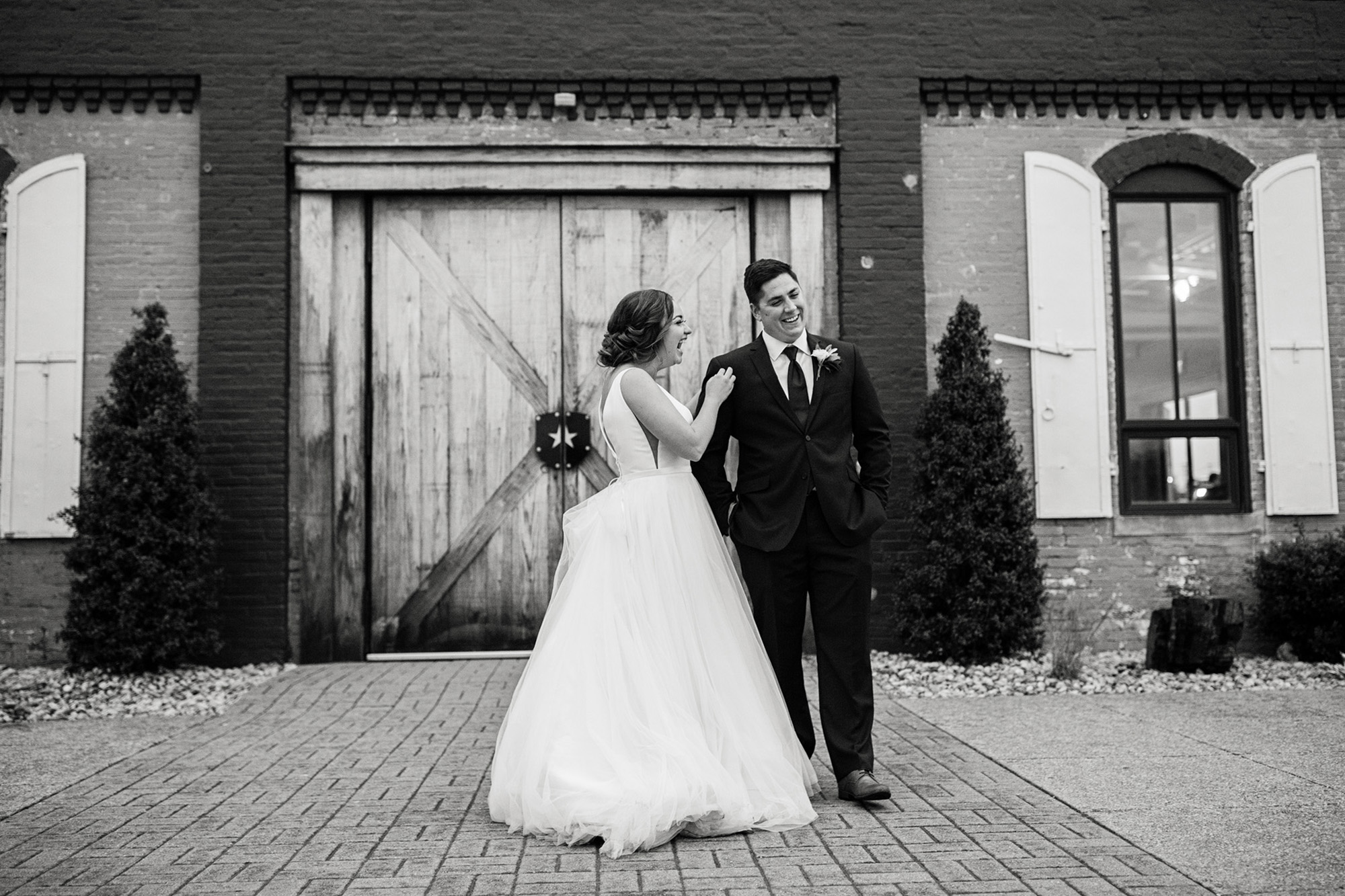 Seriously_Sabrina_Photography_Lexington_Kentucky_Manchester_Music_Hall_Wedding_Mesmer_80.jpg