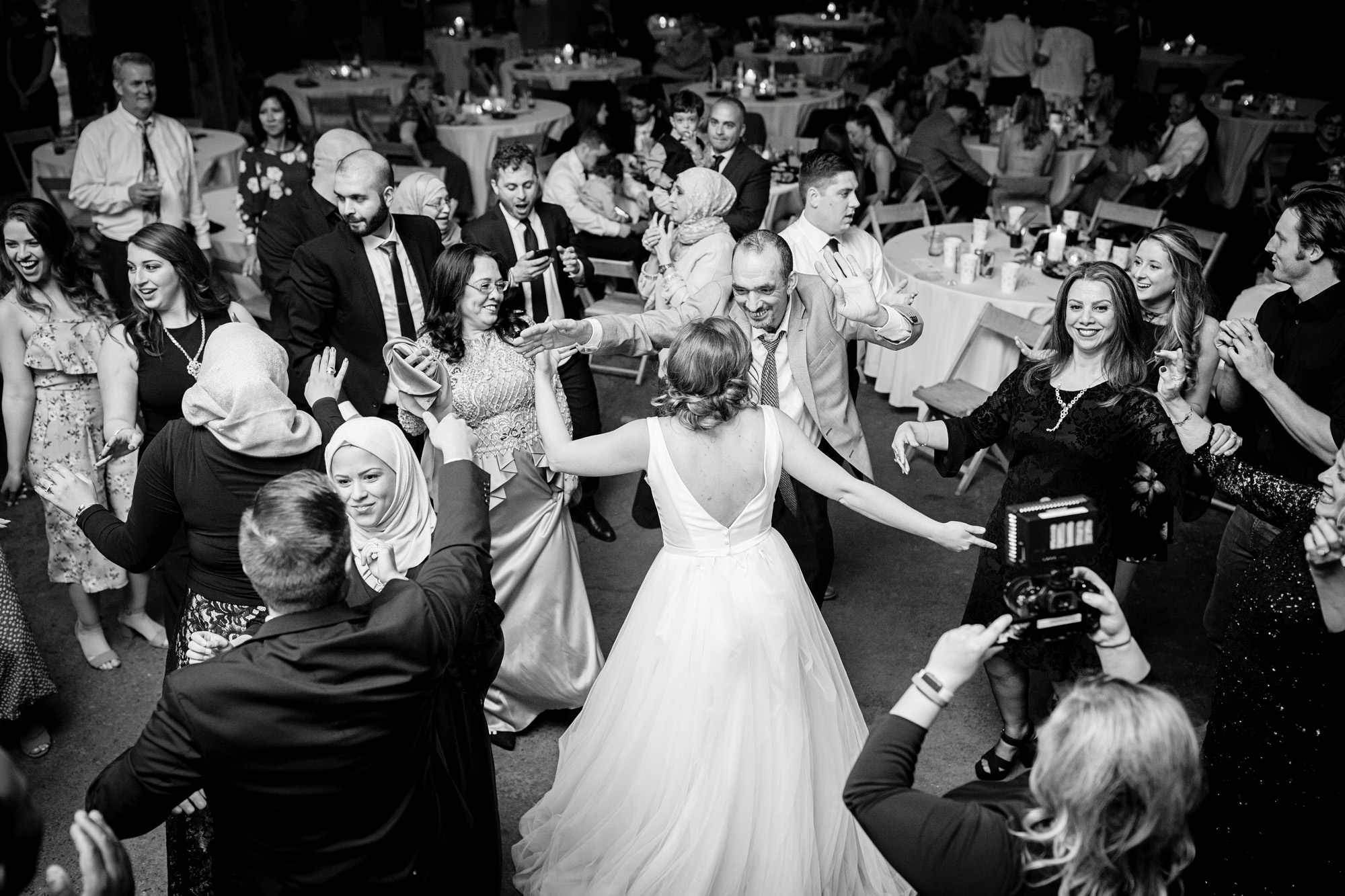 Seriously_Sabrina_Photography_Lexington_Kentucky_Manchester_Music_Hall_Wedding_Mesmer_138.jpg
