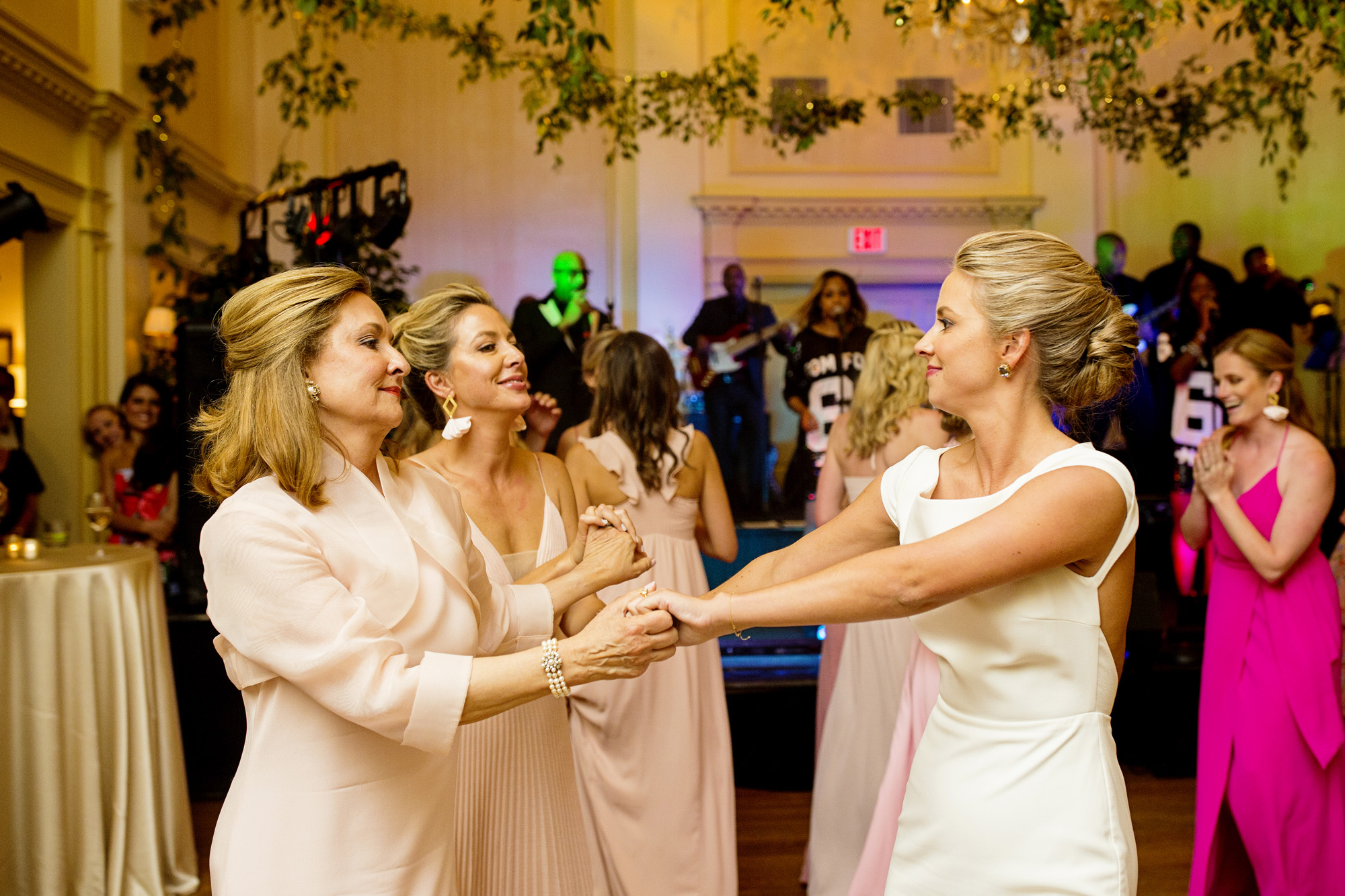 Seriously_Sabrina_Photography_Lexington_Kentucky_Second_Presbyterian_Church_Idle_Hour_Country_Club_Wedding_Kime_69.jpg