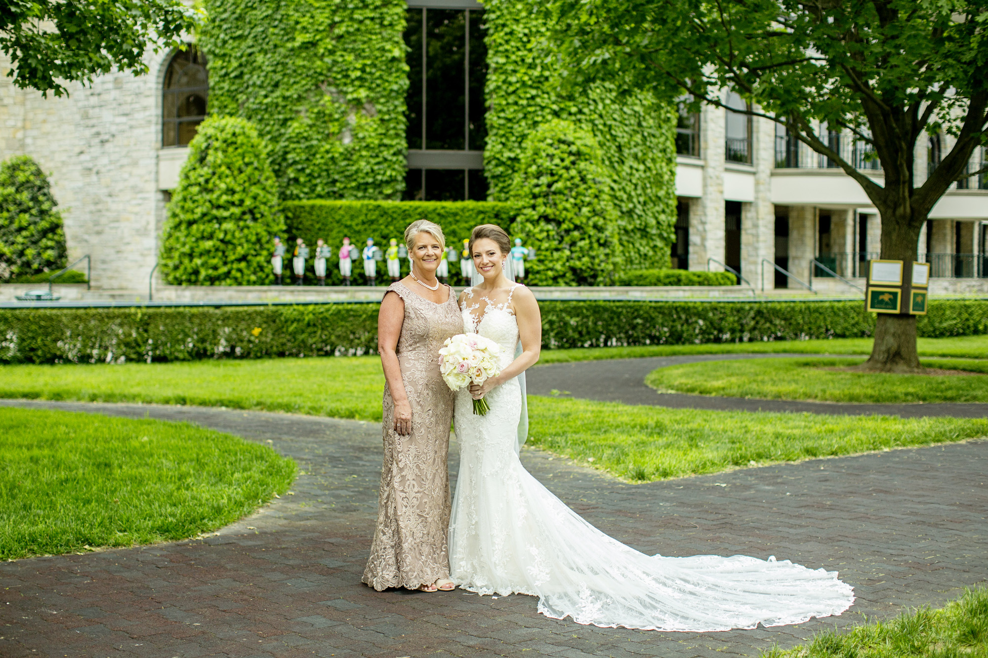 Seriously_Sabrina_Photography_Lexington_Kentucky_Downtown_Keeneland_Clubhouse_Wedding_Spitzer_57.jpg
