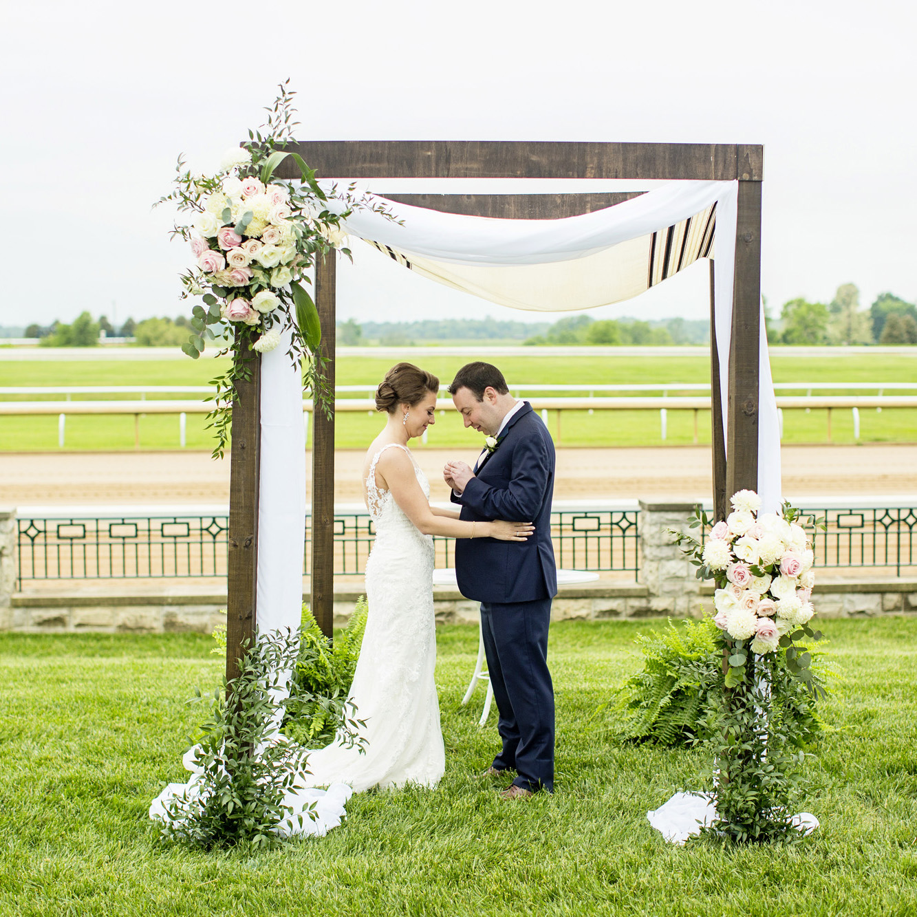 Seriously_Sabrina_Photography_Lexington_Kentucky_Downtown_Keeneland_Clubhouse_Wedding_Spitzer_99.jpg