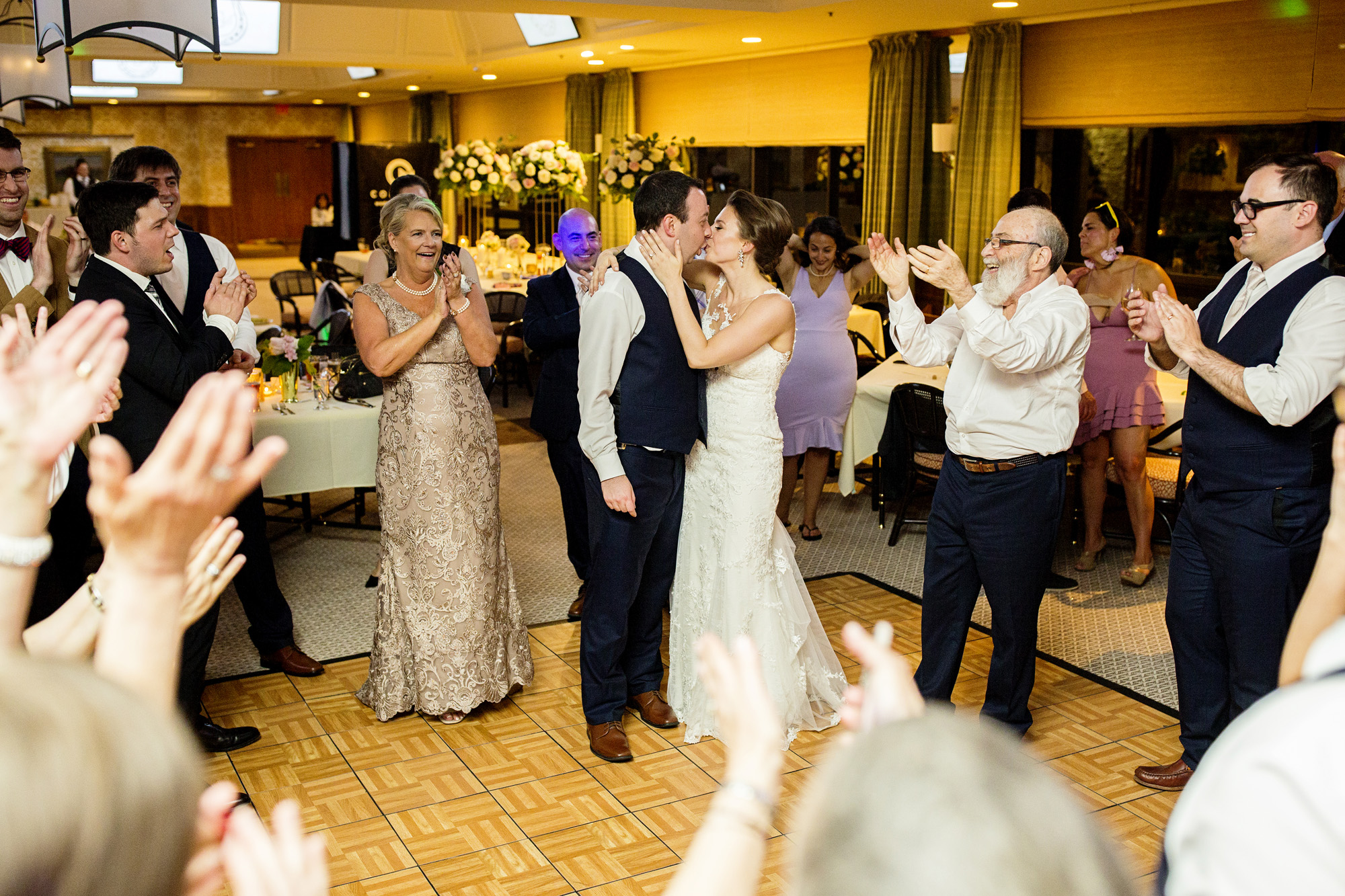 Seriously_Sabrina_Photography_Lexington_Kentucky_Downtown_Keeneland_Clubhouse_Wedding_Spitzer_150.jpg