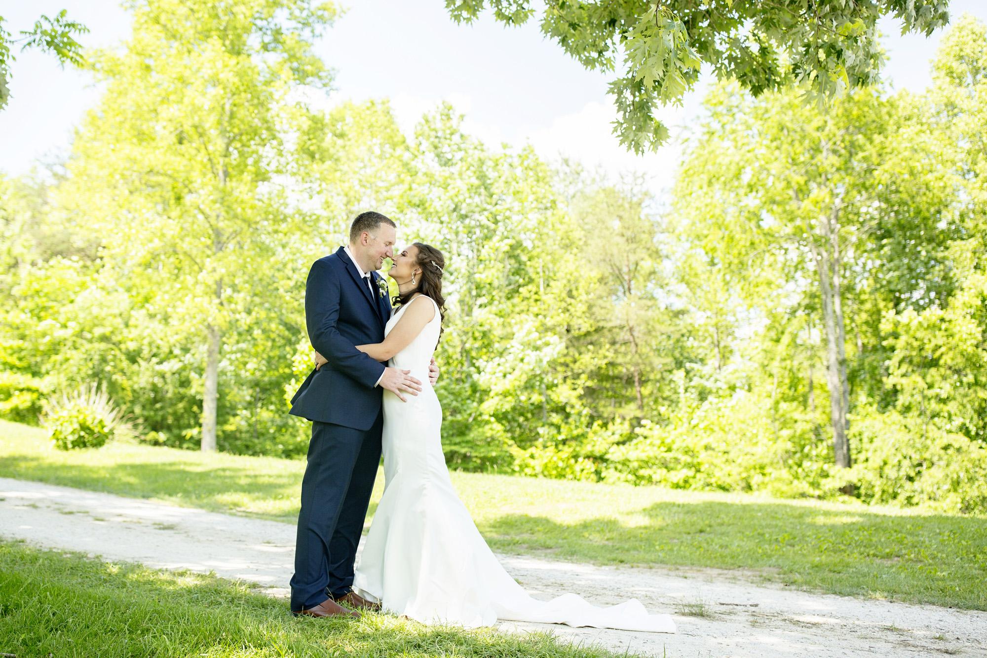 Seriously_Sabrina_Photography_Red_River_Gorge_Wedding_Barn_Robinson32.jpg