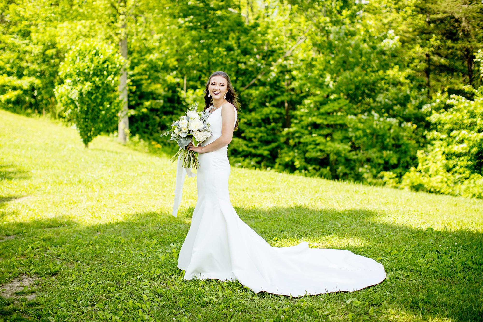 Seriously_Sabrina_Photography_Red_River_Gorge_Wedding_Barn_Robinson38.jpg