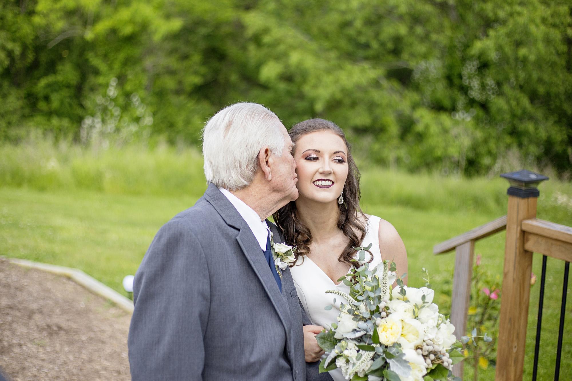 Seriously_Sabrina_Photography_Red_River_Gorge_Wedding_Barn_Robinson60.jpg